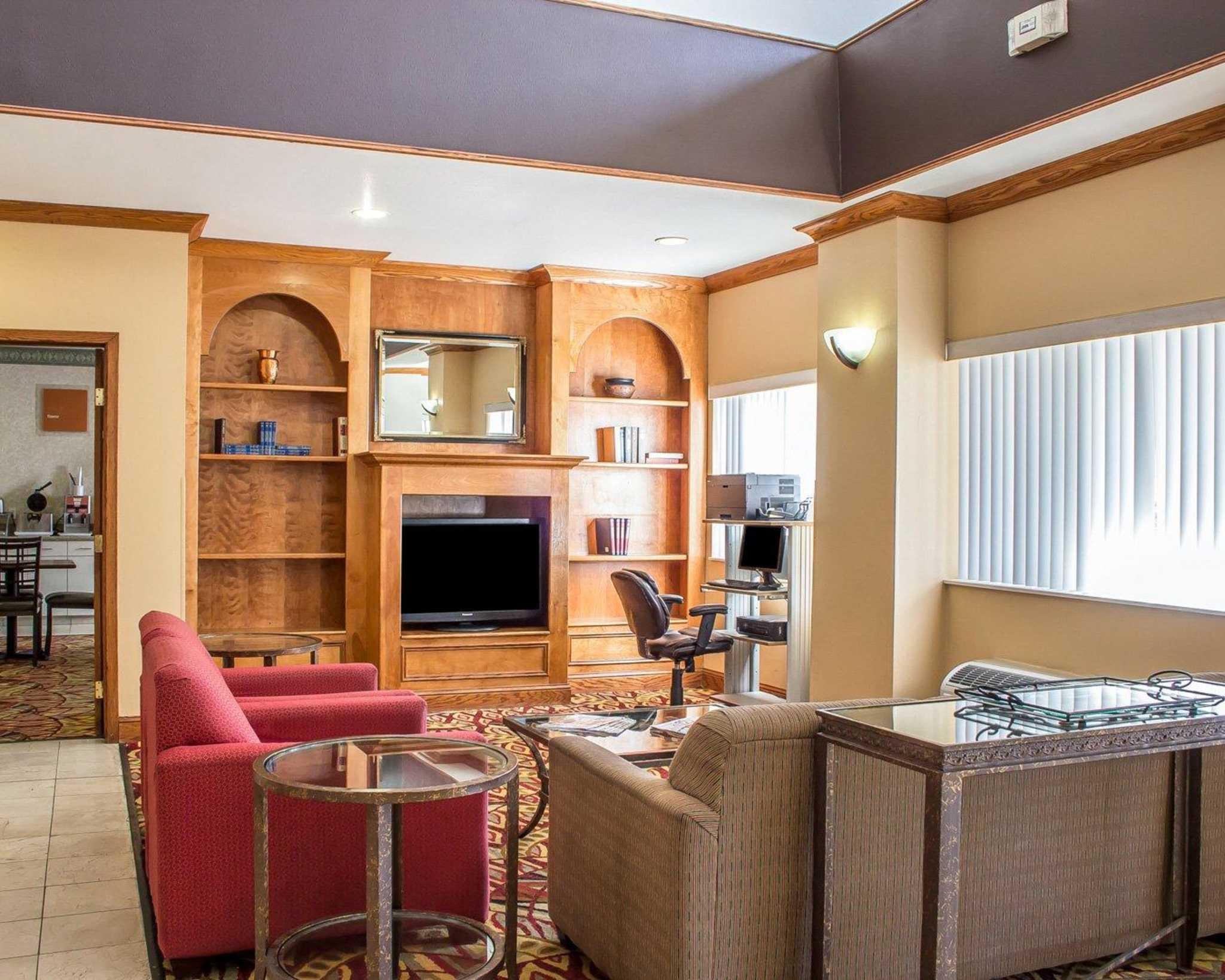 Comfort Suites Phoenix North image 14