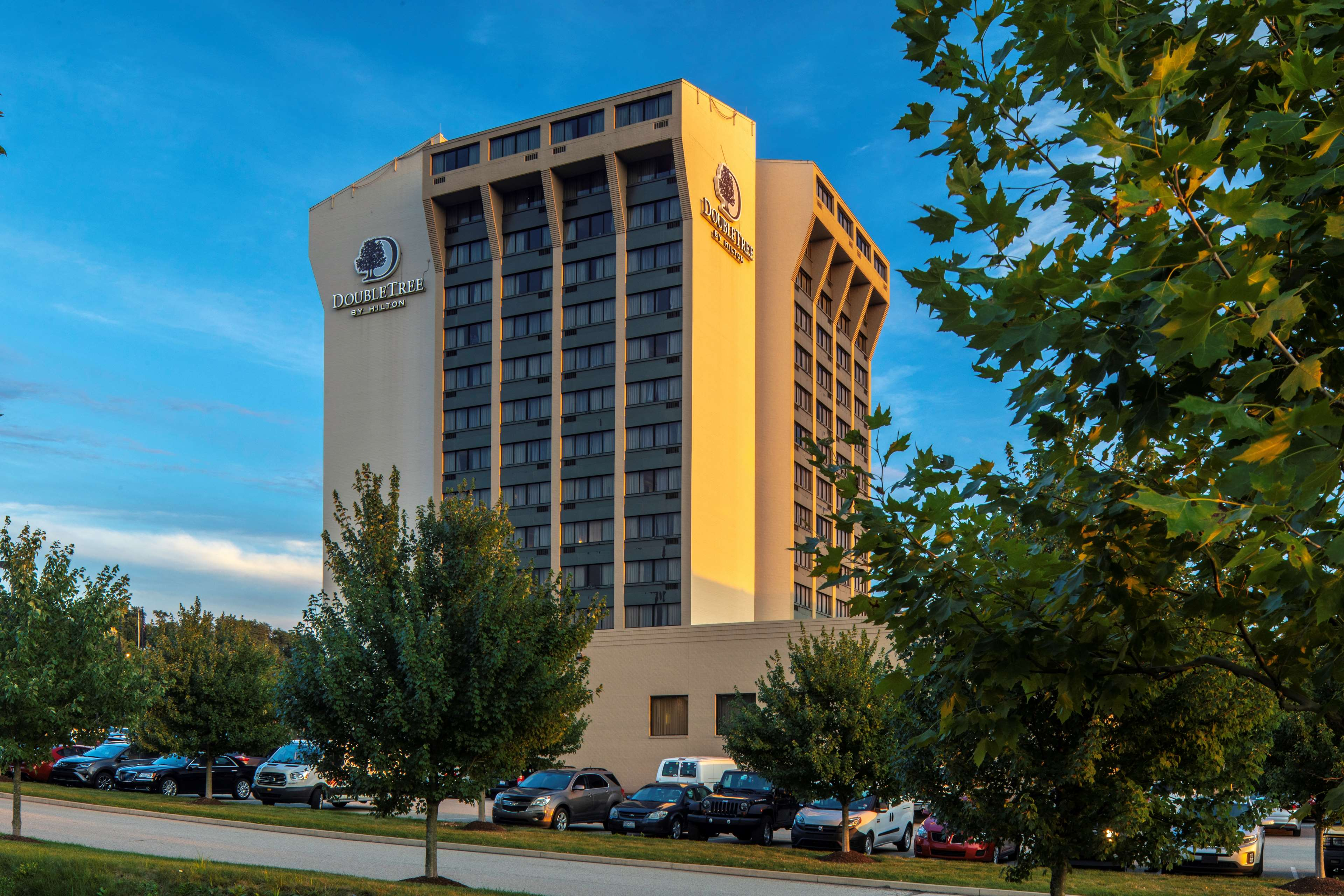 DoubleTree by Hilton Hotel Pittsburgh - Monroeville Convention Center image 1