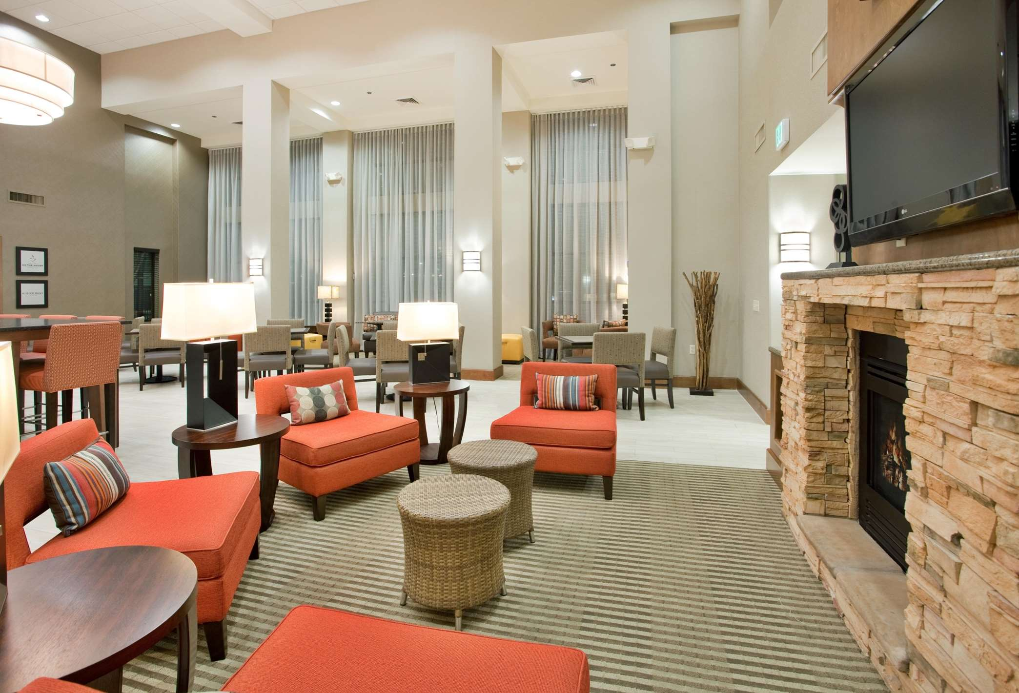 Hampton Inn & Suites Phoenix Glendale-Westgate image 18