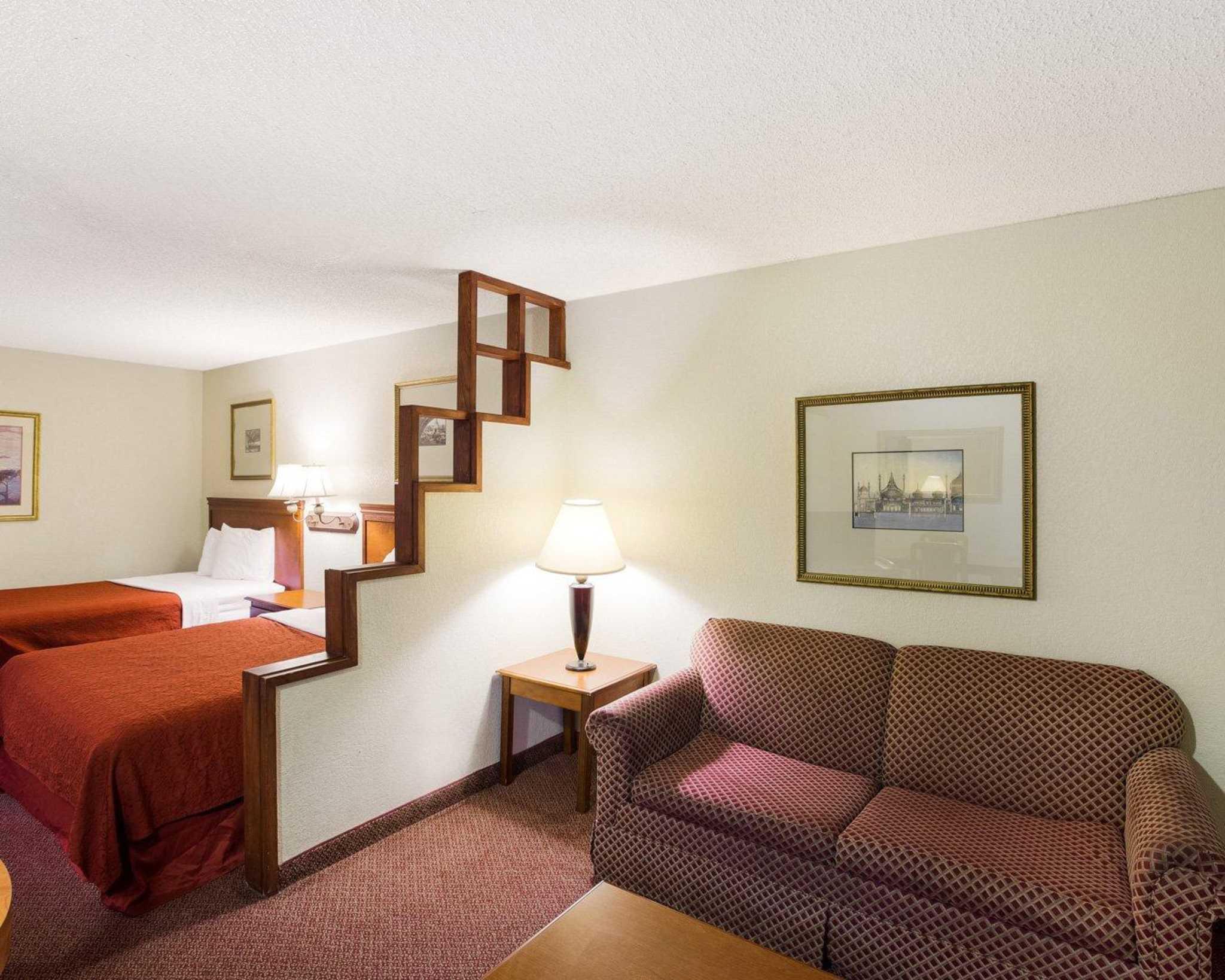 Rodeway Inn & Suites Fiesta Park image 14