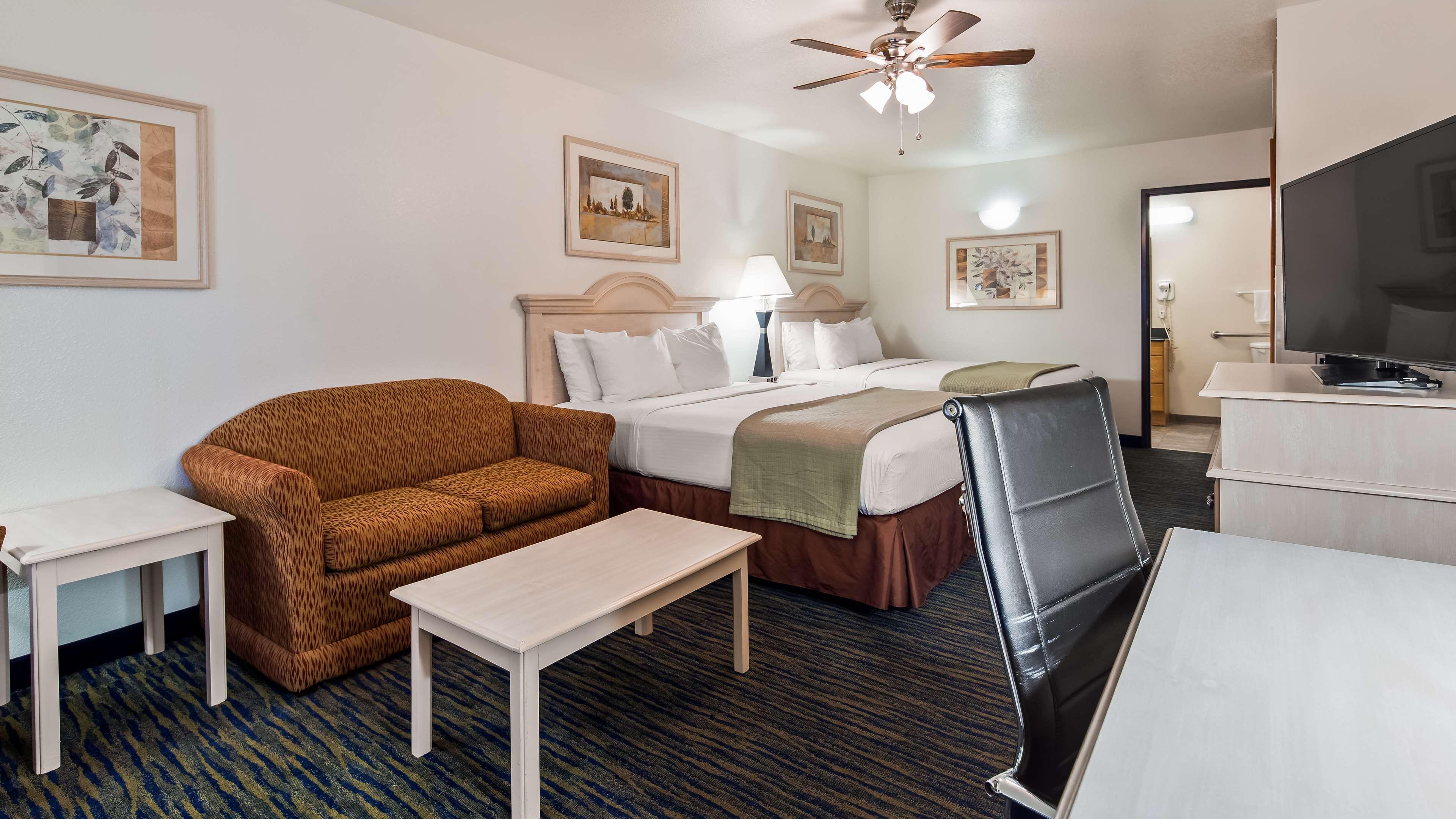SureStay Hotel by Best Western Falfurrias image 3