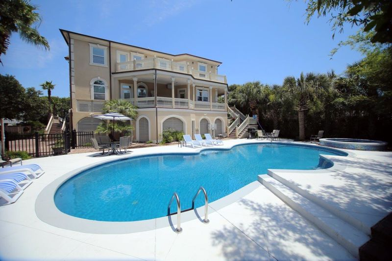 Isle of Palms Vacation Rentals by Exclusive Properties image 57