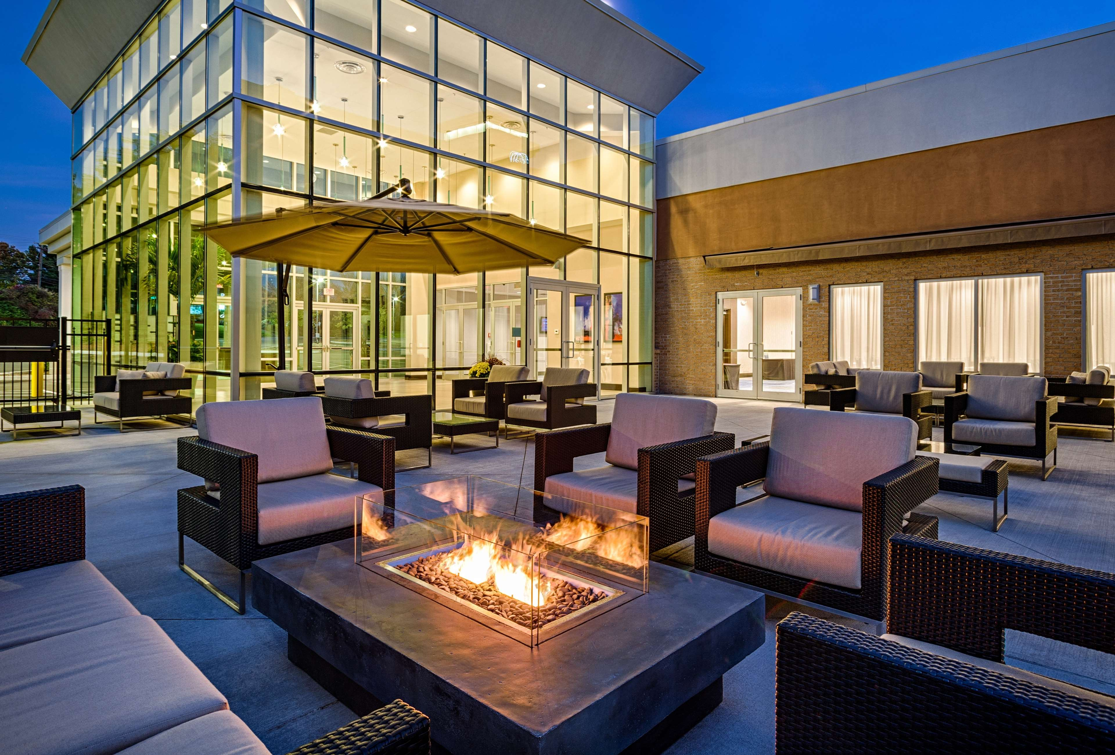 DoubleTree by Hilton Hotel Bristol, Connecticut image 0
