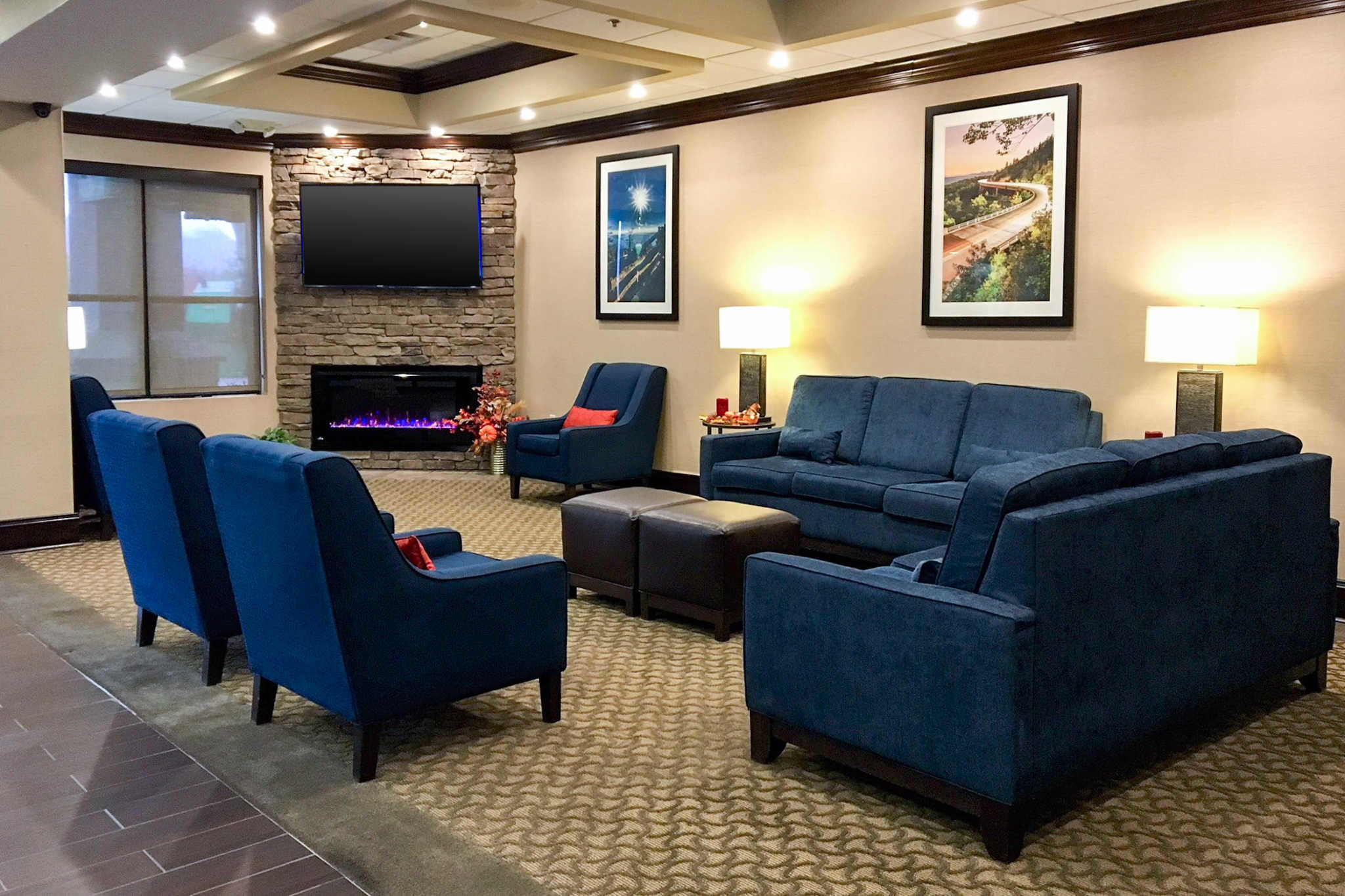 Comfort Suites Mountain Mile Area image 4