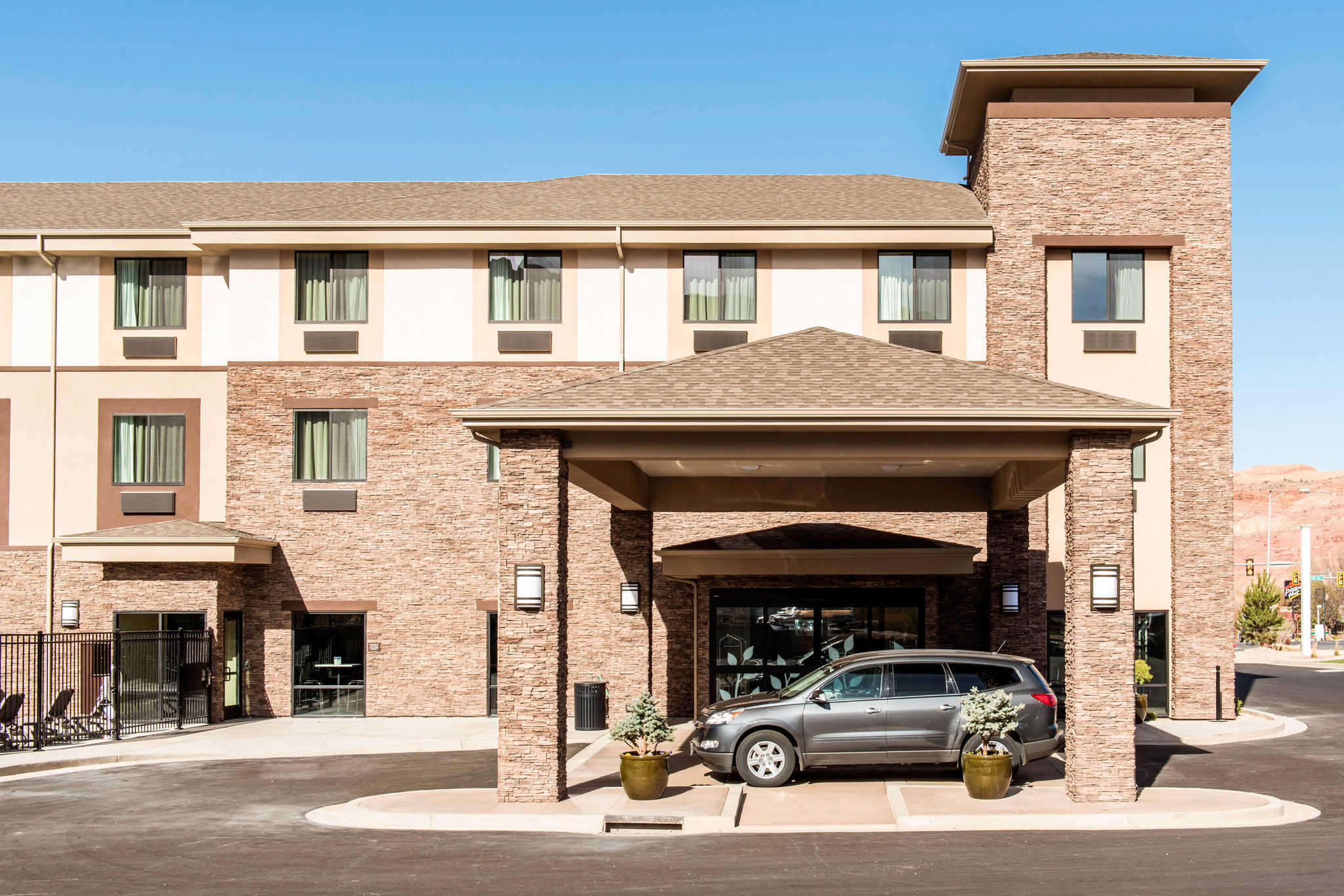 MainStay Suites Moab near Arches National Park image 0