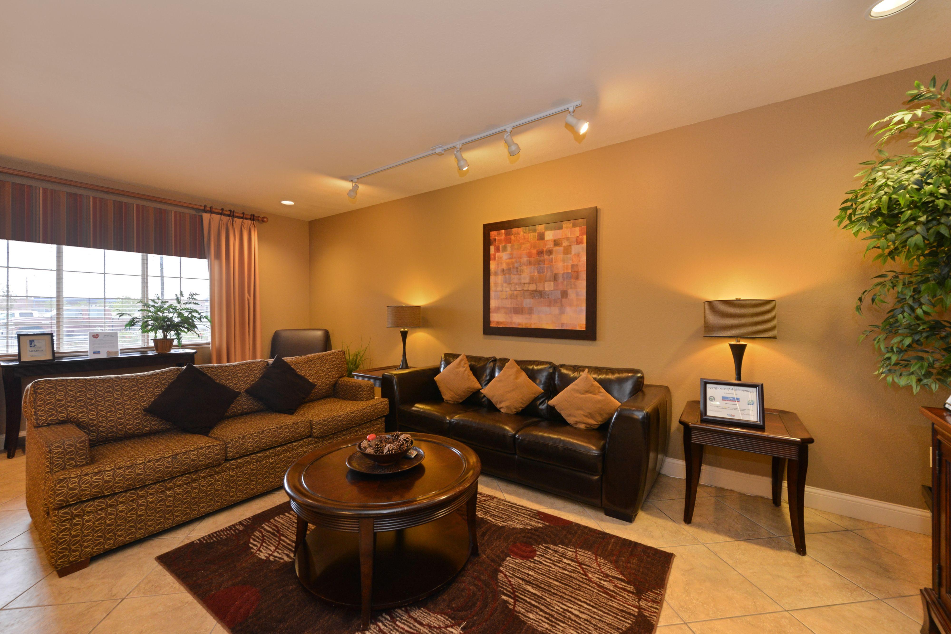 Candlewood Suites Bloomington-Normal image 4