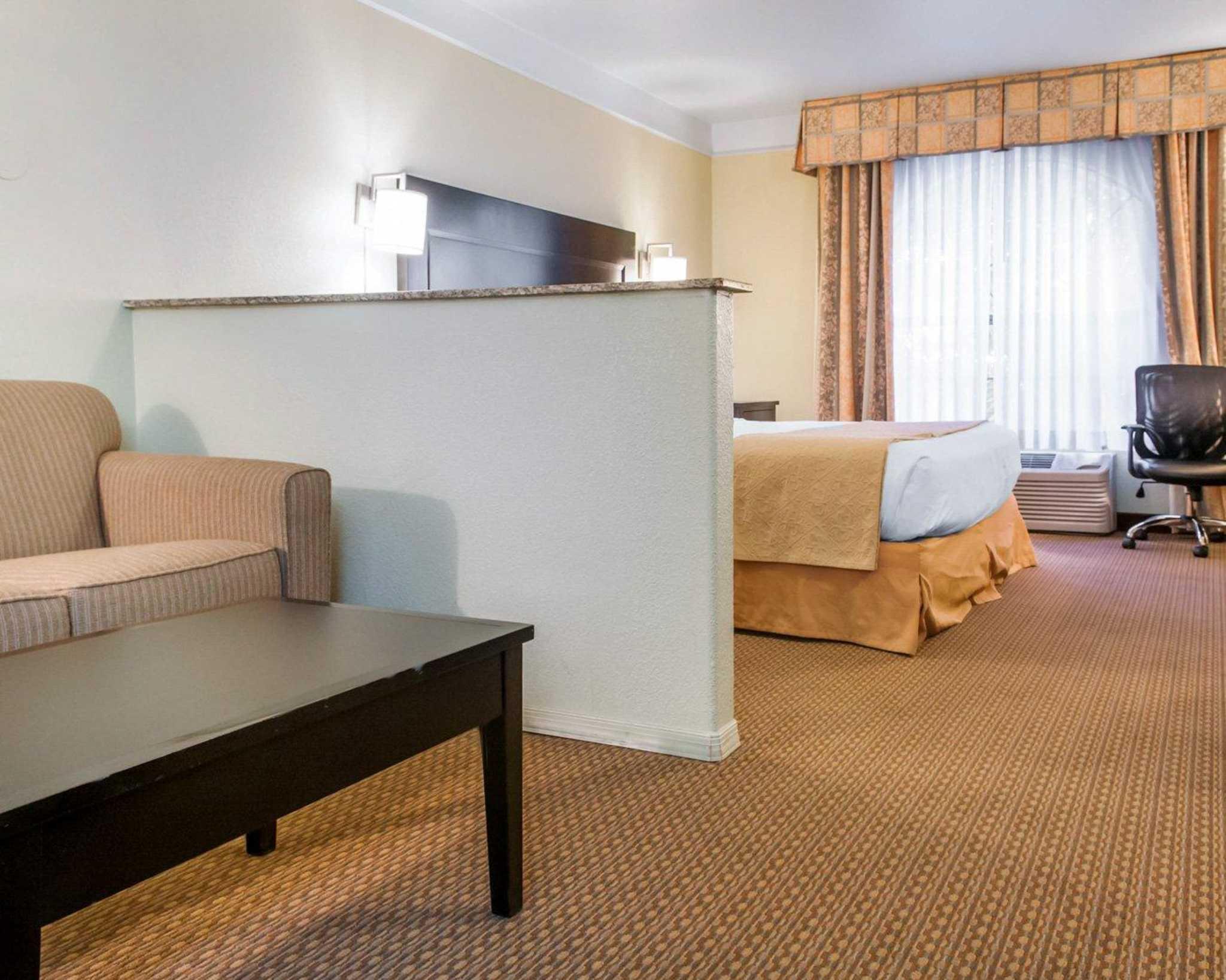 Quality Inn & Suites image 22
