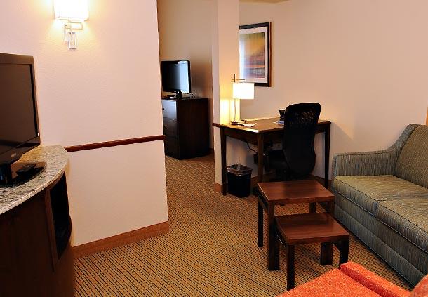 Fairfield Inn & Suites by Marriott Slippery Rock image 7