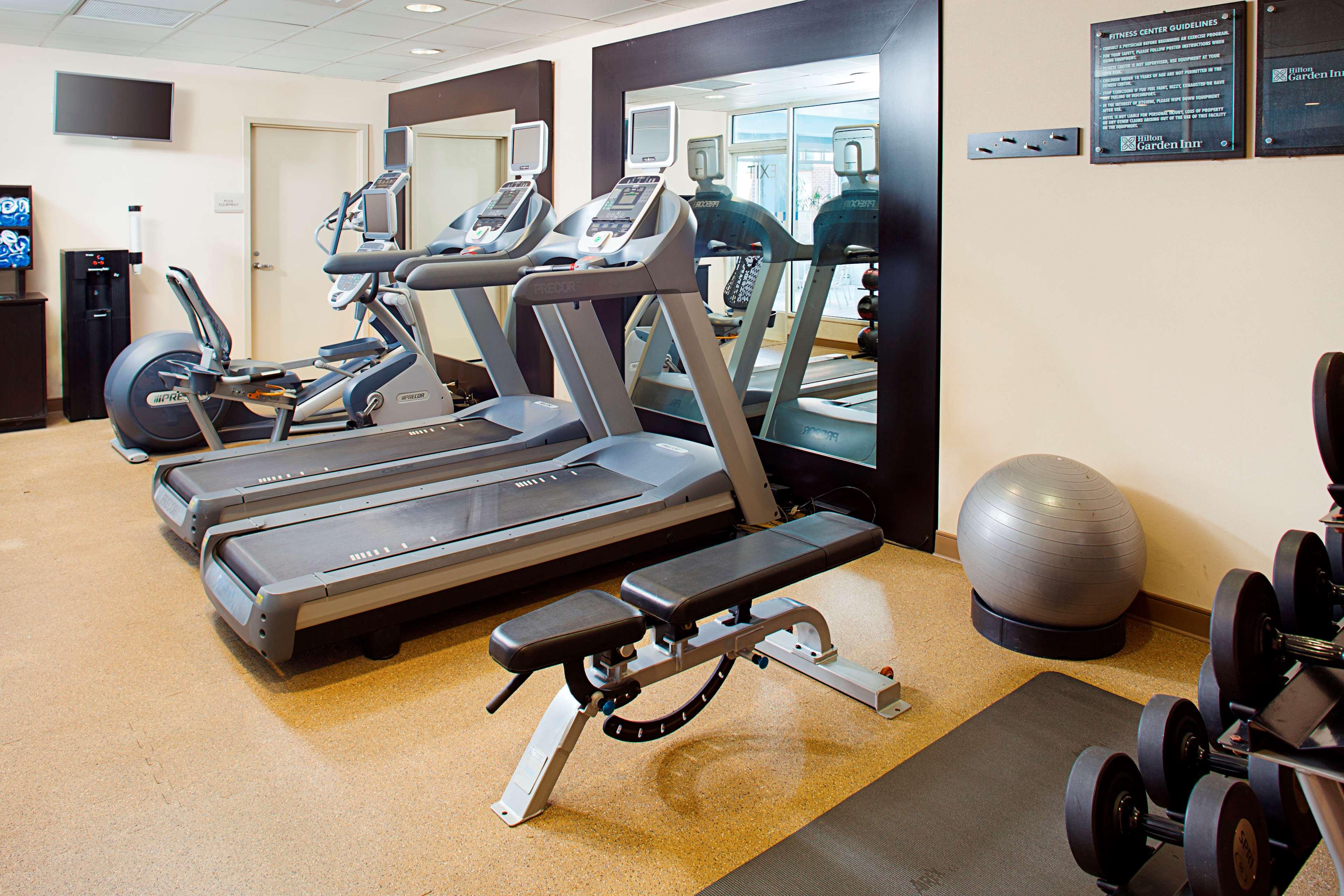 Hilton Garden Inn Hartford North/Bradley Intu0027l Airport 555 Corporate Drive  Windsor, CT Hotels U0026 Motels   MapQuest