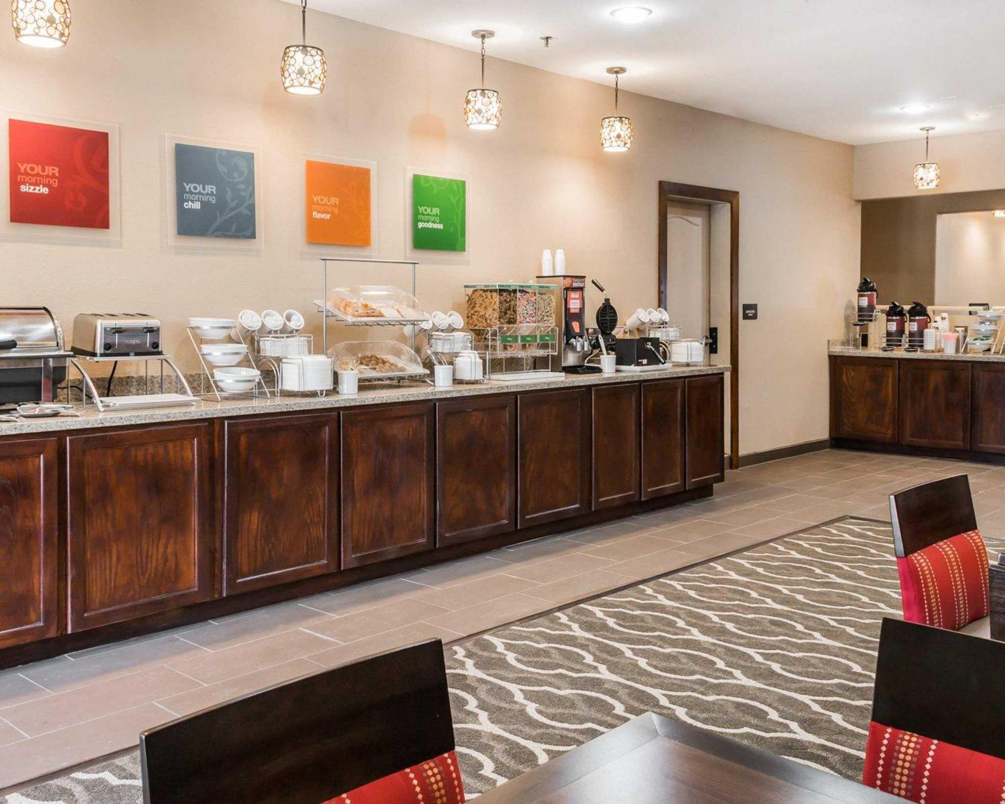 Comfort Inn & Suites image 22