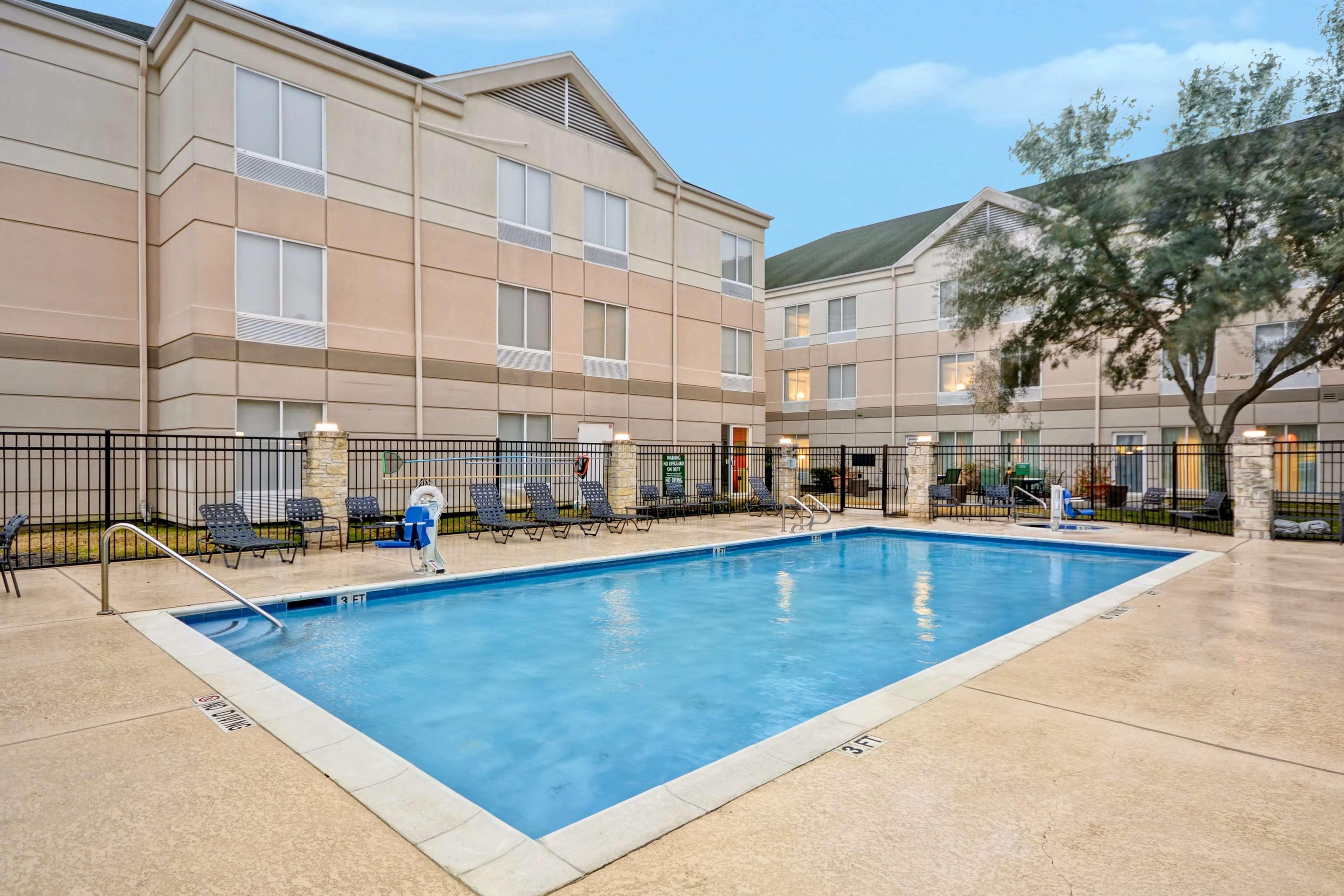 Hilton Garden Inn Austin/Round Rock image 7