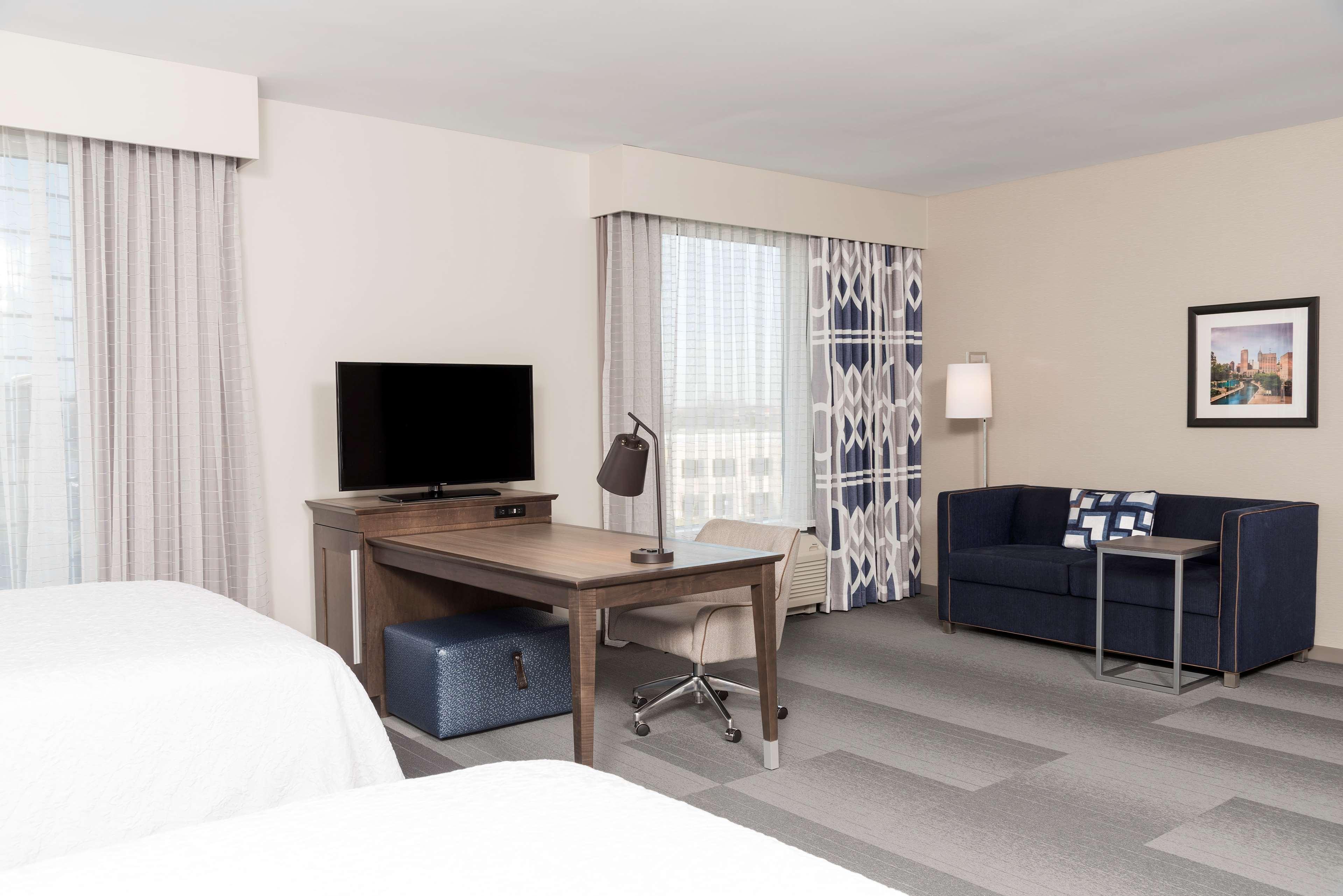Hampton Inn & Suites Indianapolis-Keystone image 22