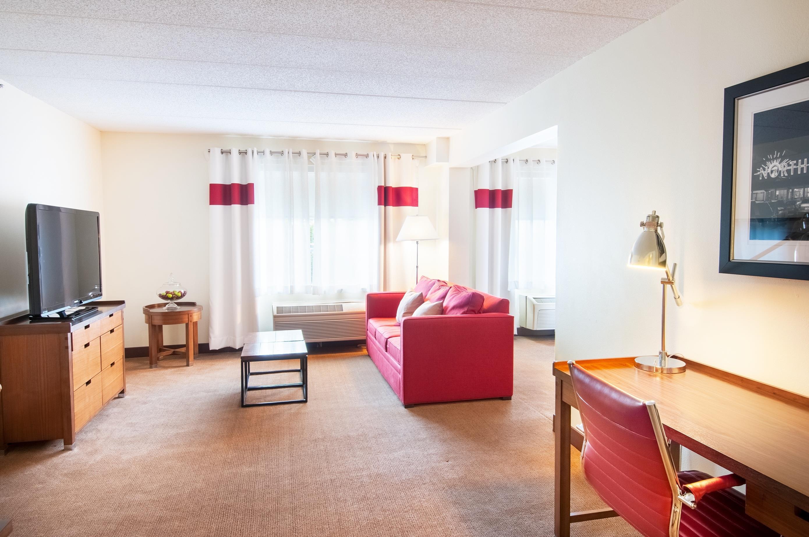 Hotels Near Polaris Fashion Place - Hampton Inn Polaris