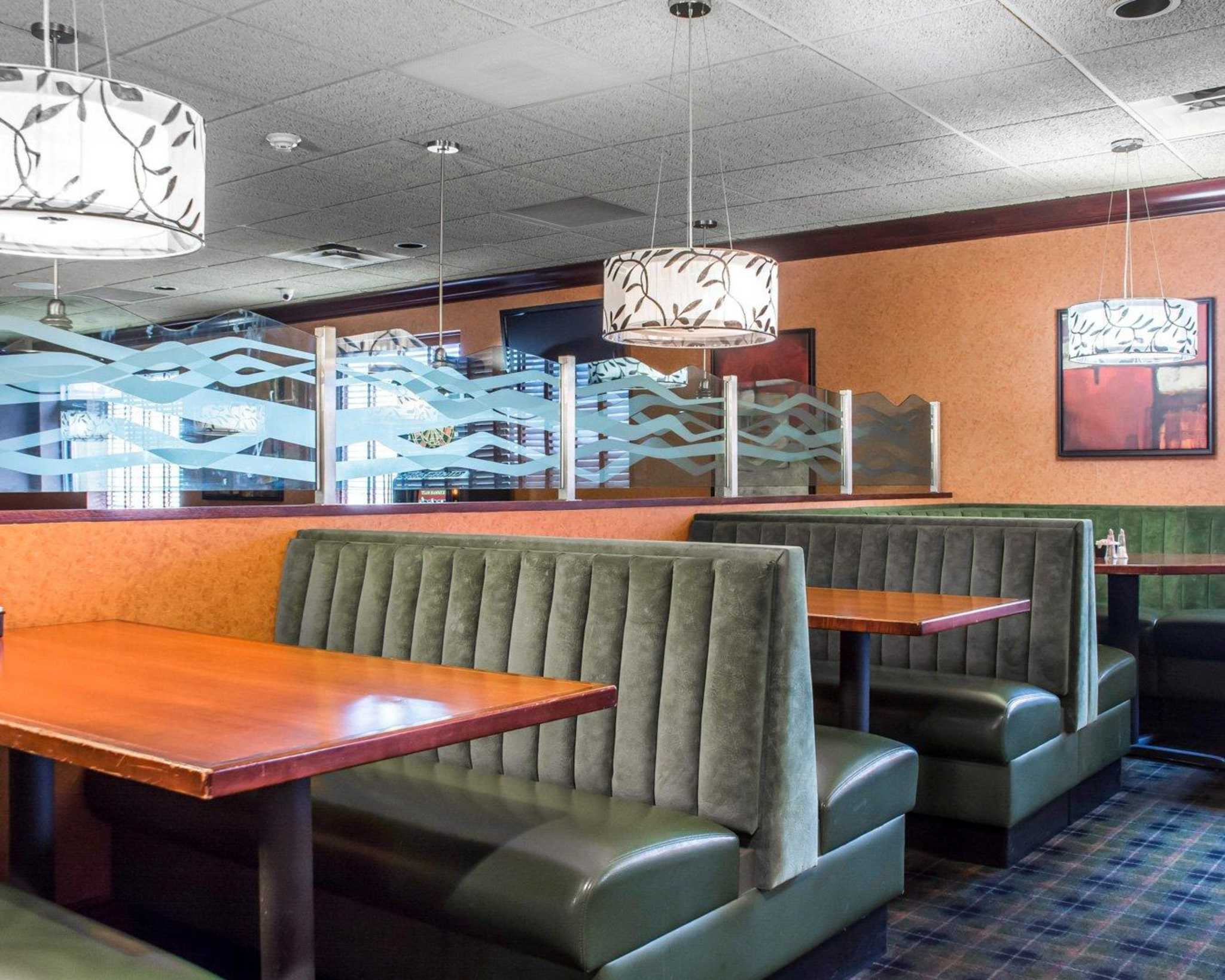 Quality Inn & Suites Fairgrounds image 28