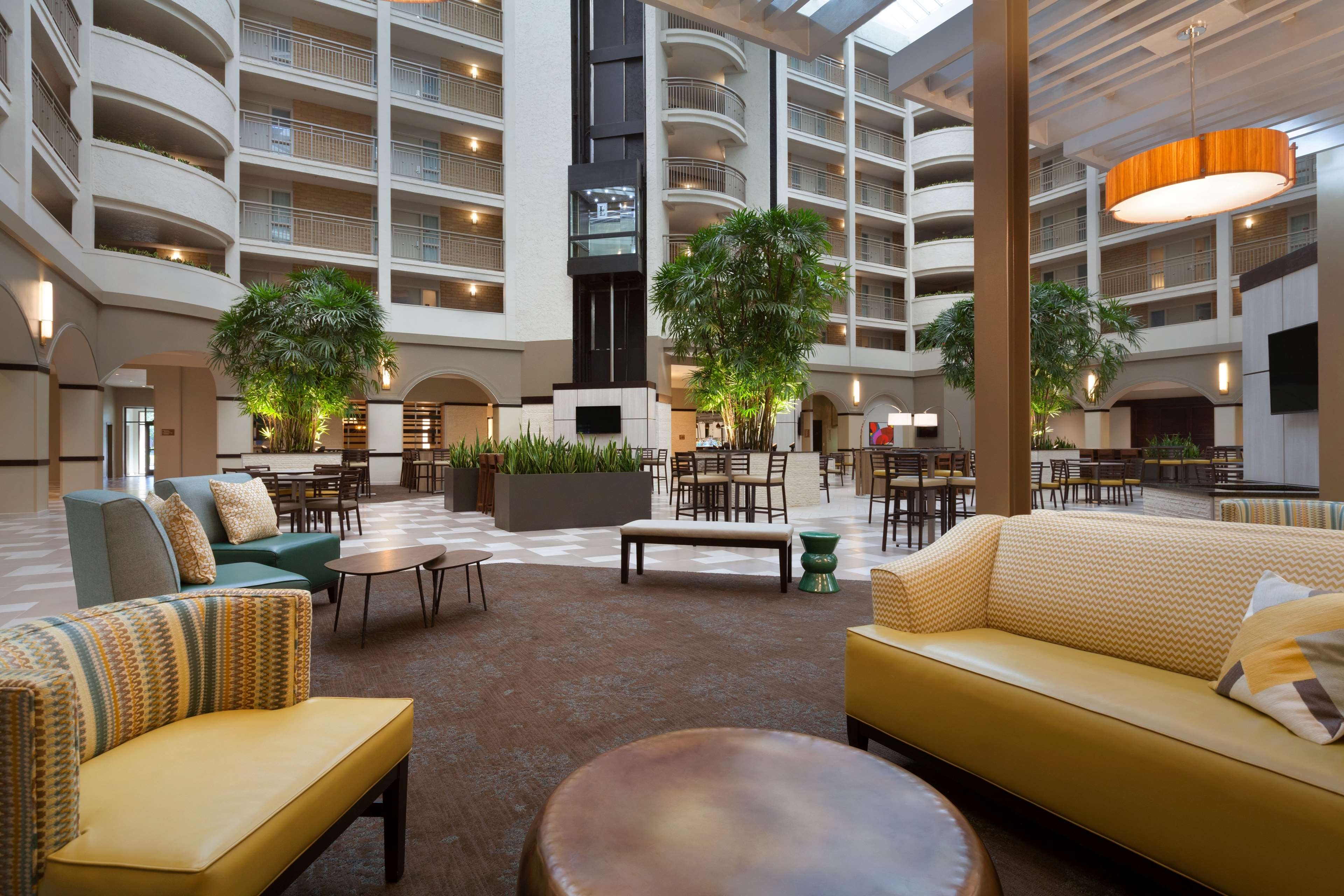 Embassy Suites by Hilton Jacksonville Baymeadows image 5