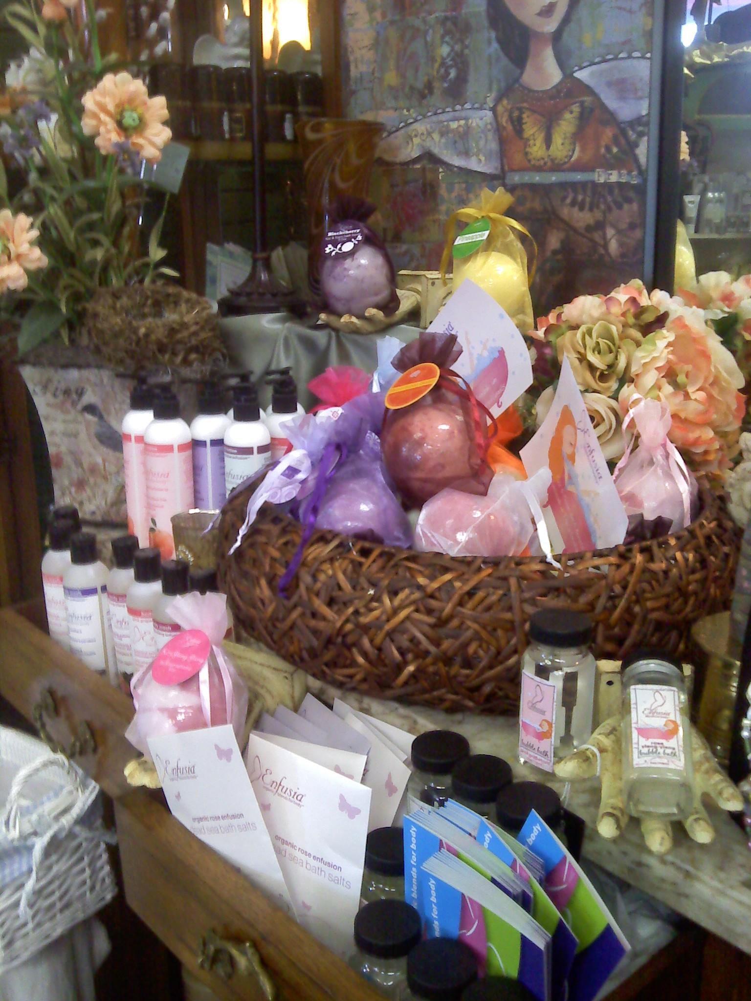 Darlene's Flower & Gift Shop image 1
