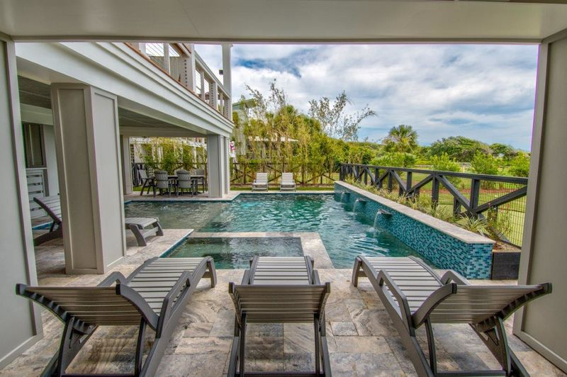 Isle of Palms Vacation Rentals by Exclusive Properties image 95