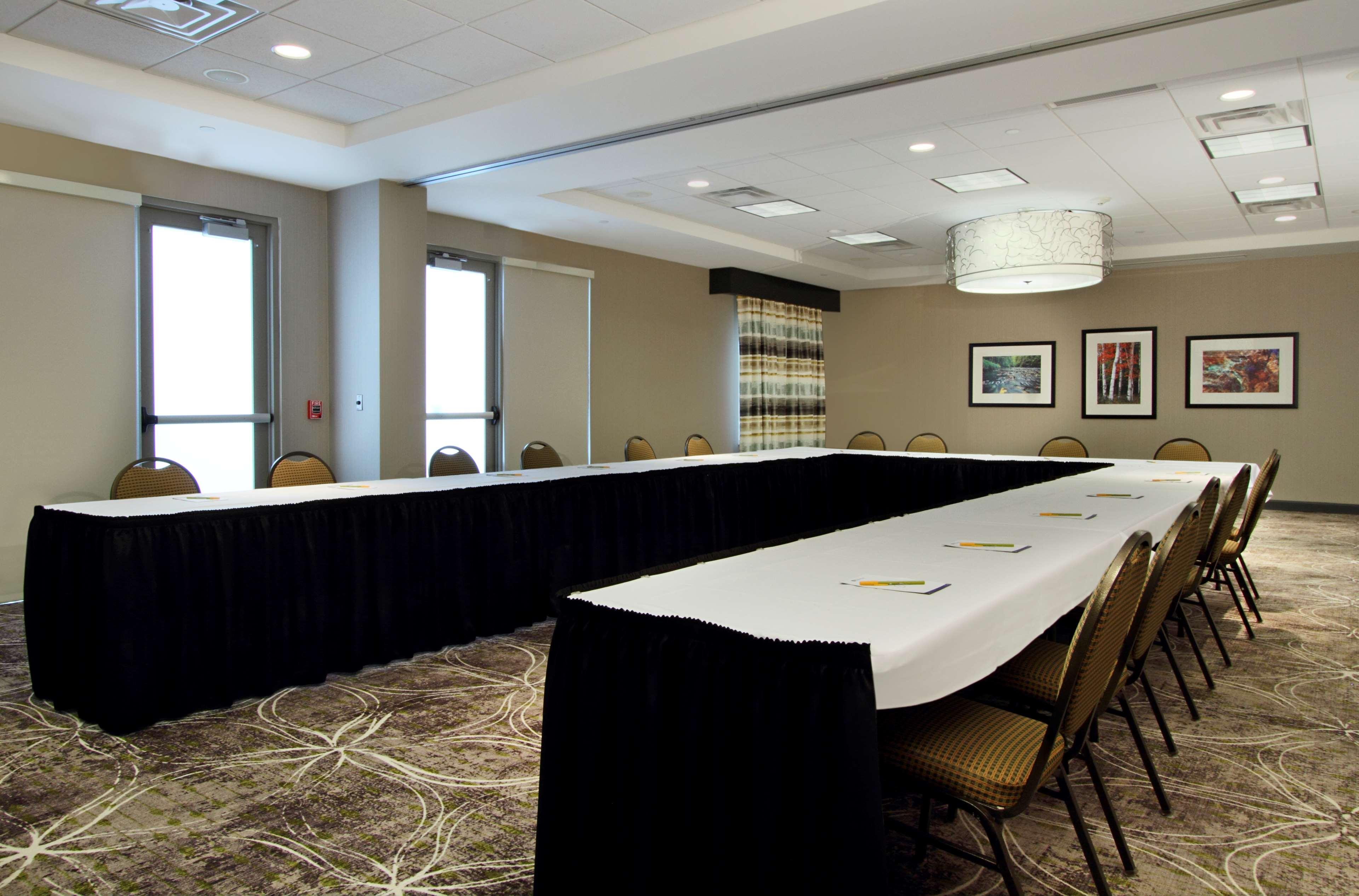 Hilton Garden Inn Columbus-University Area image 38