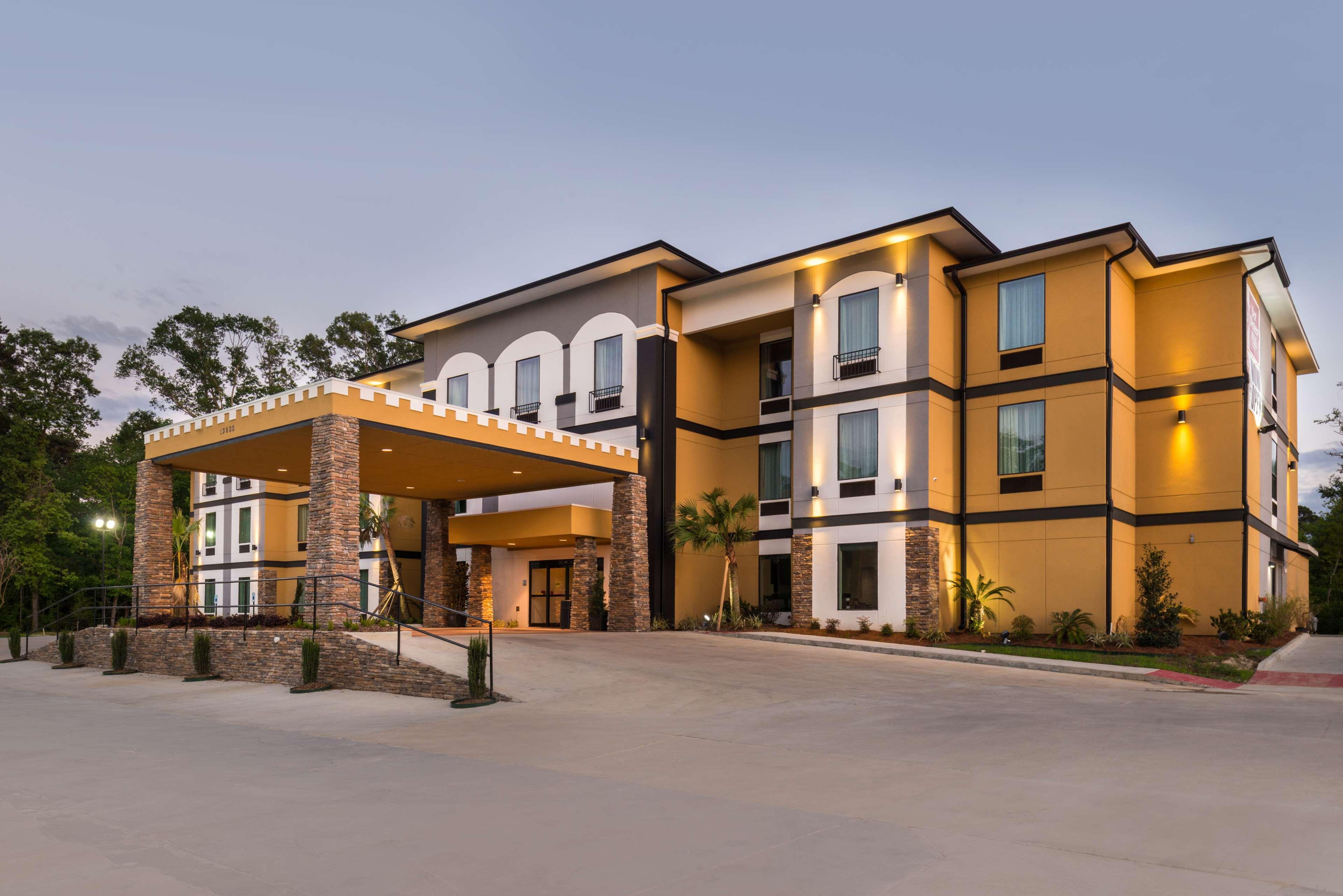 Best Western Plus Regency Park Hotel image 0