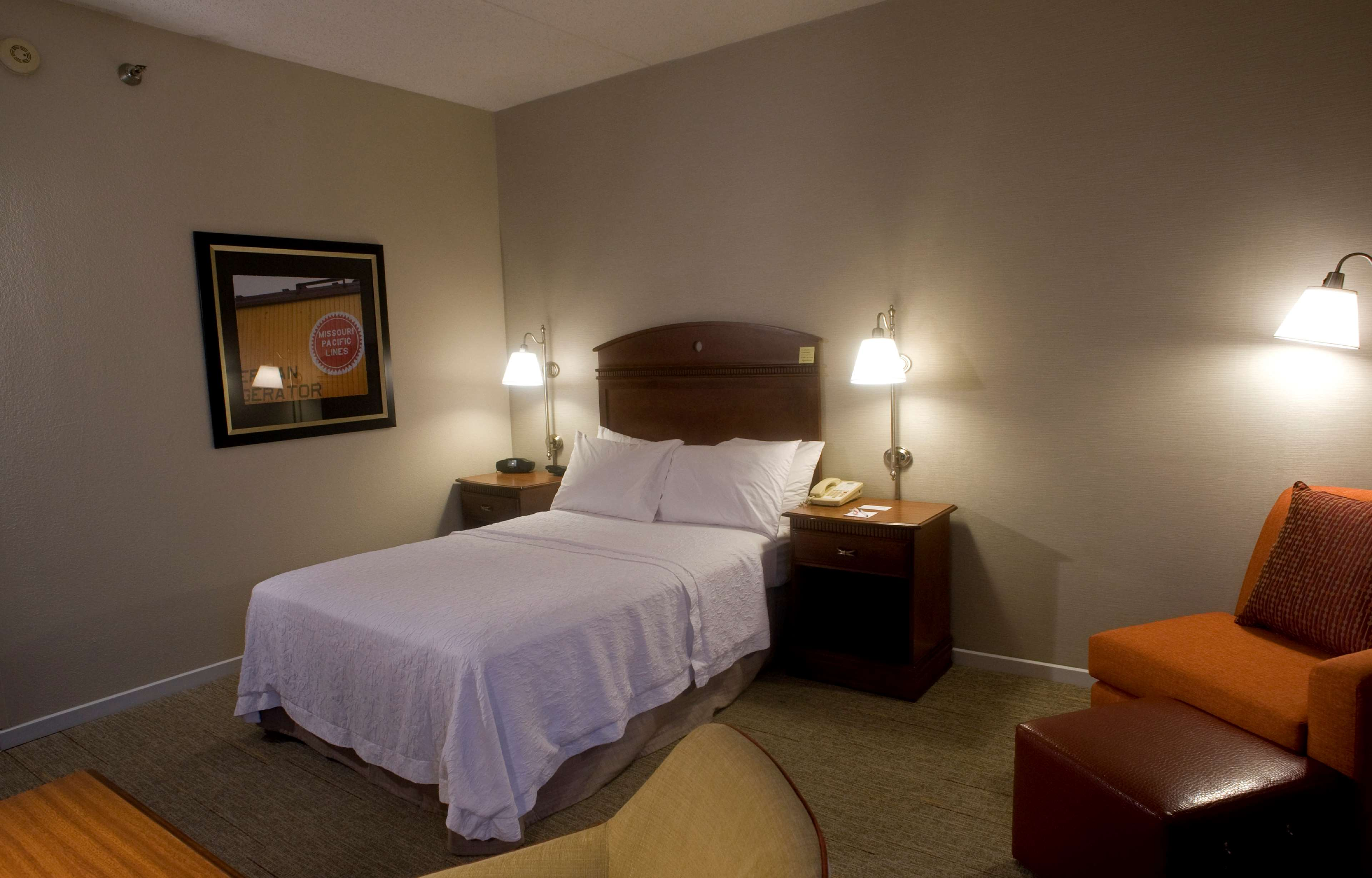 Hampton Inn Springfield-South image 25