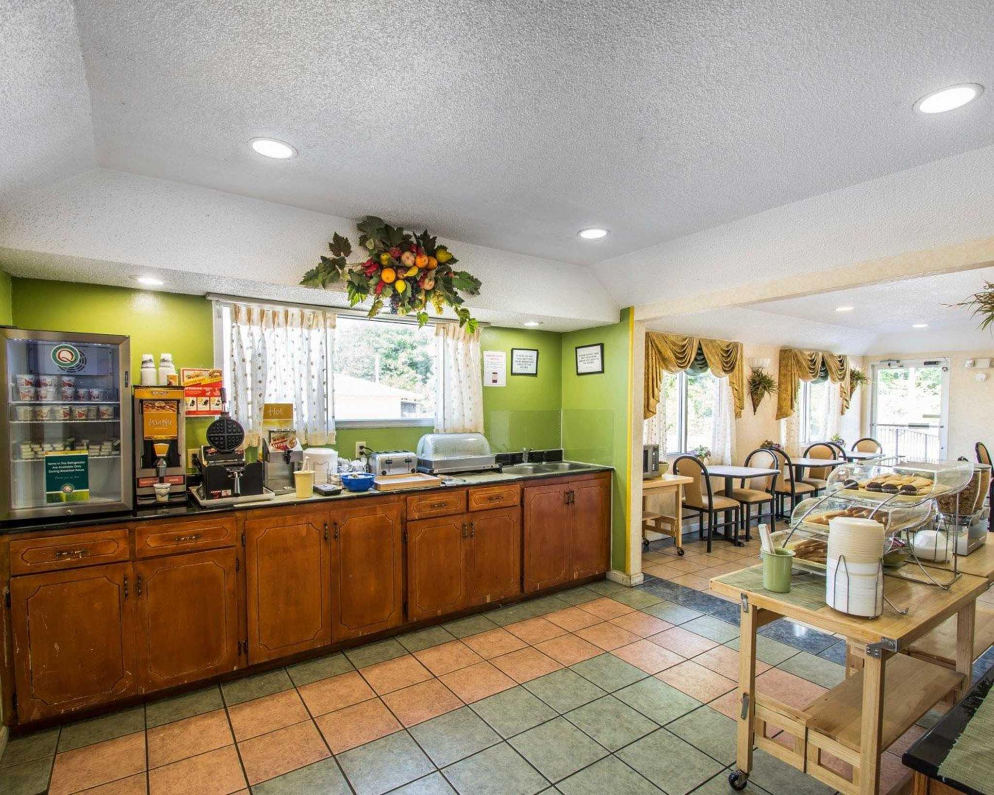 Quality Inn image 28