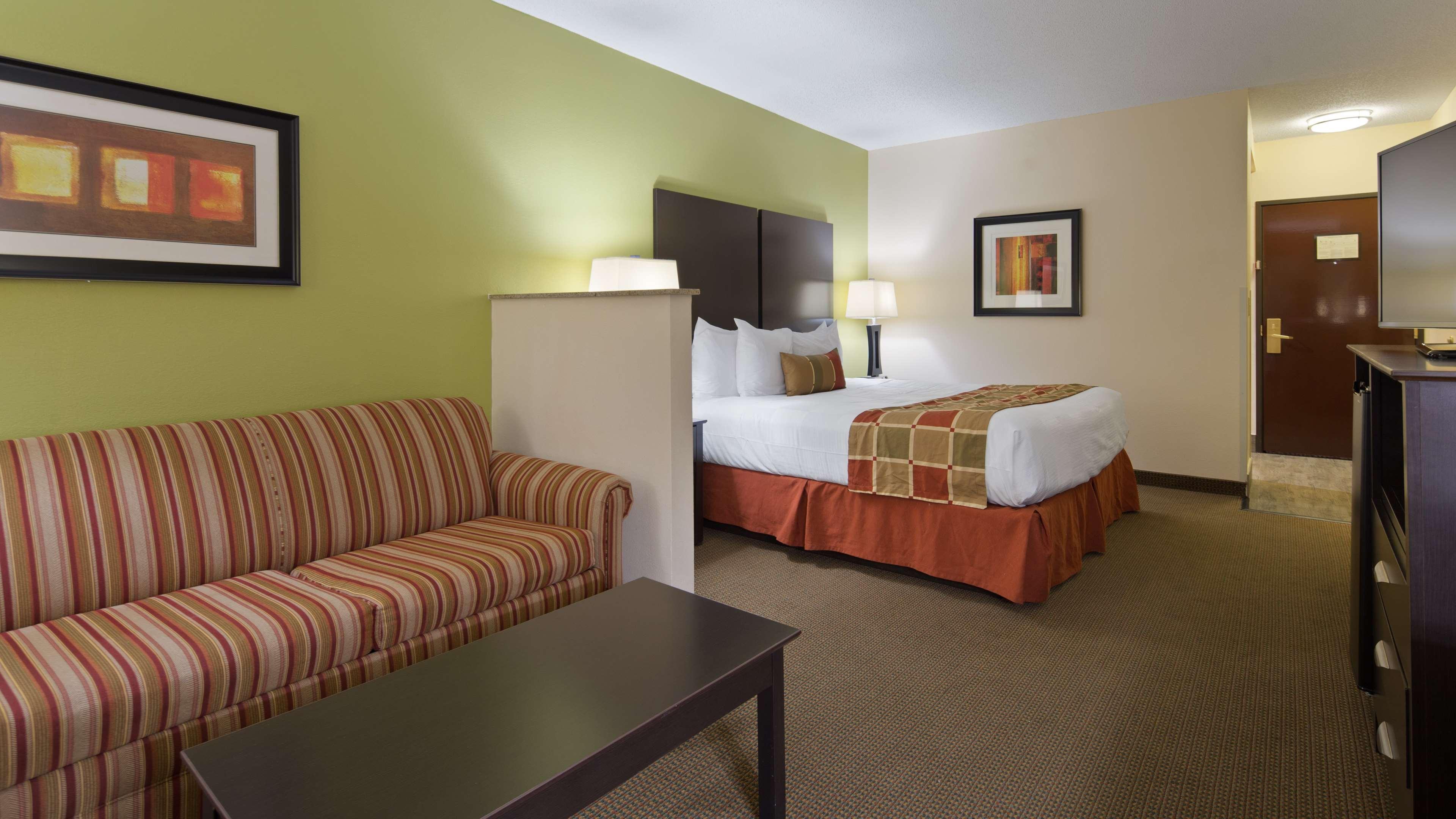 Best Western Plus Huntersville Inn & Suites Near Lake Norman image 10