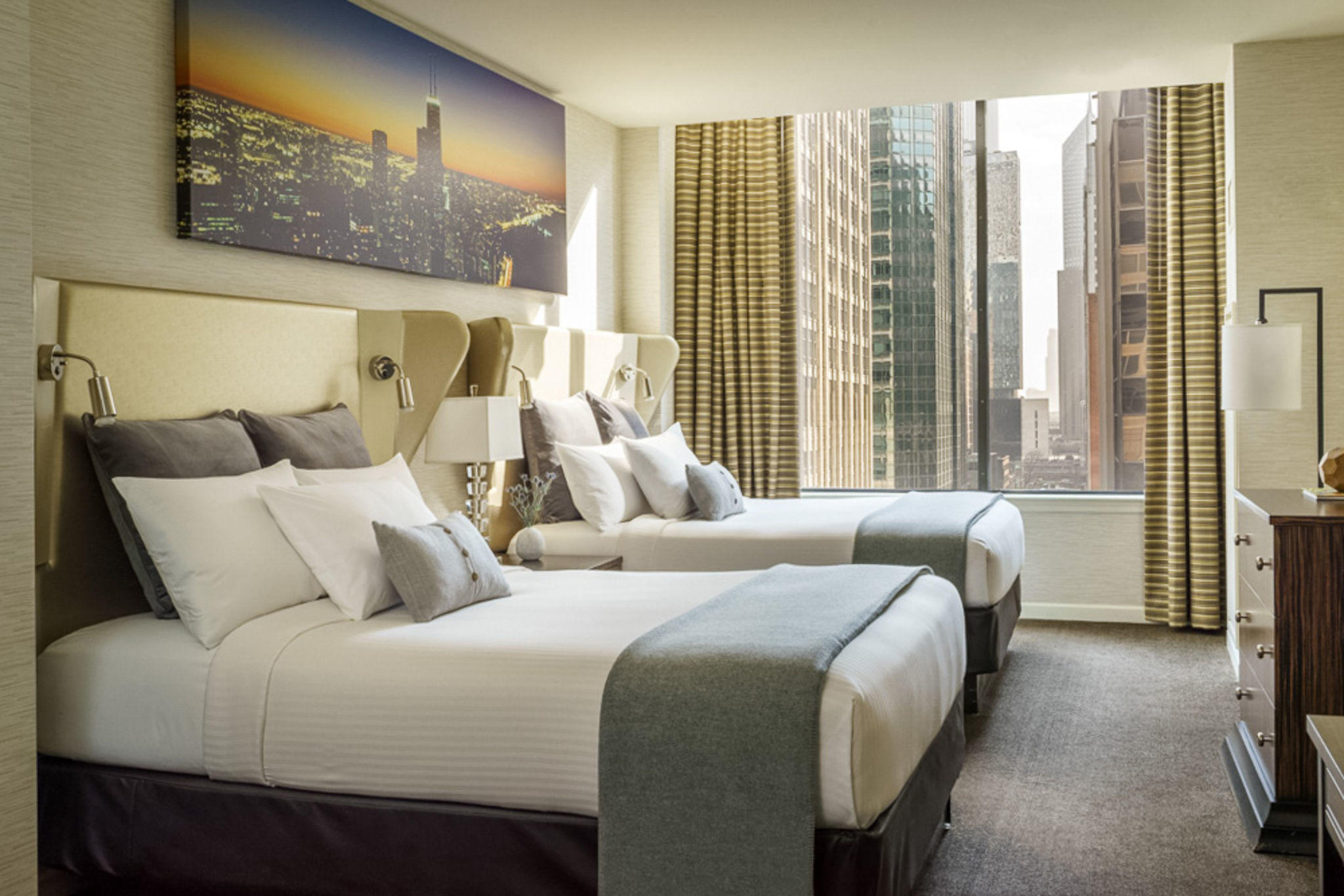 Cambria Hotel Amp Suites Chicago Magnificent Mile At 166