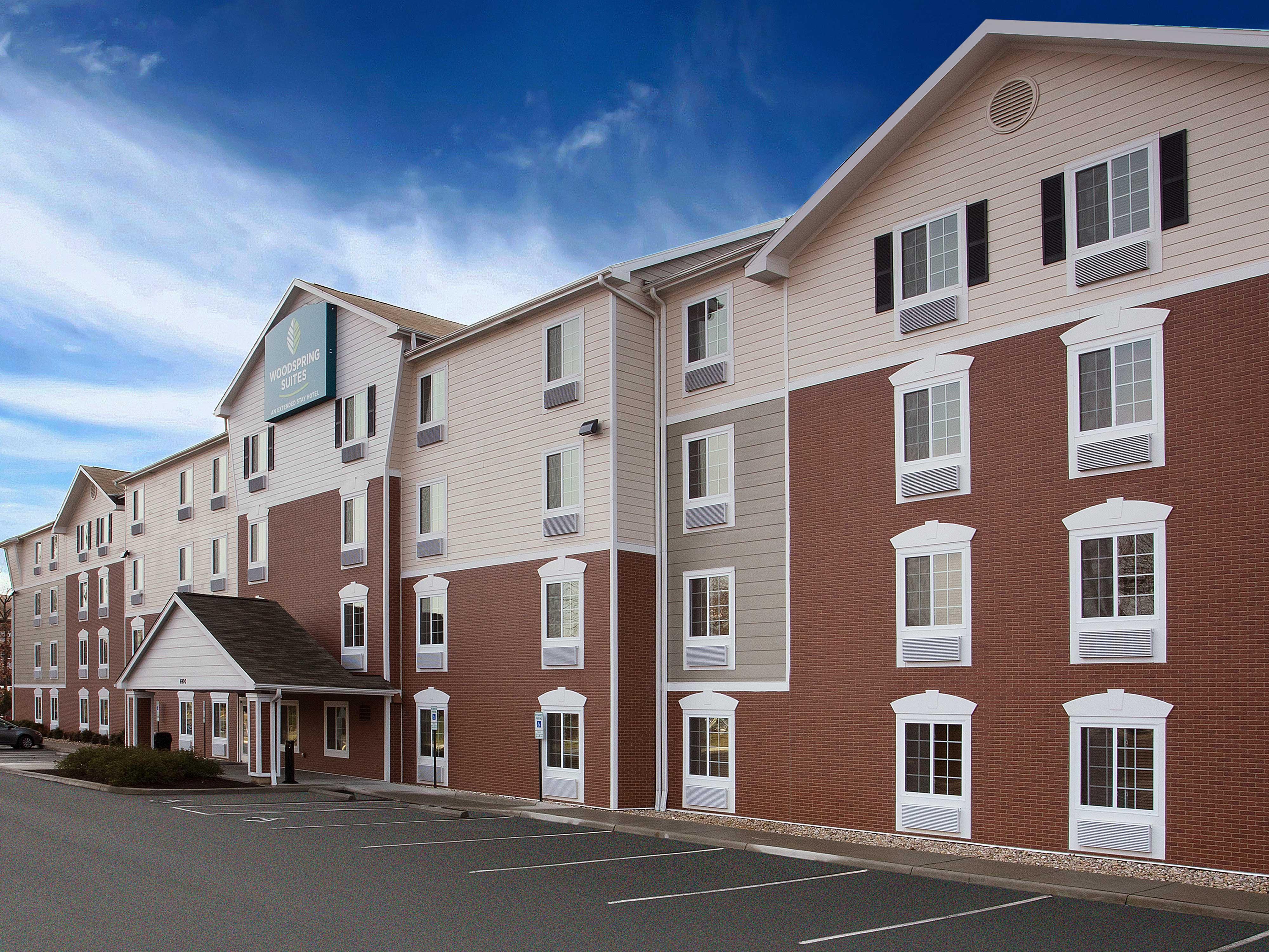 WoodSpring Suites Richmond West image 7