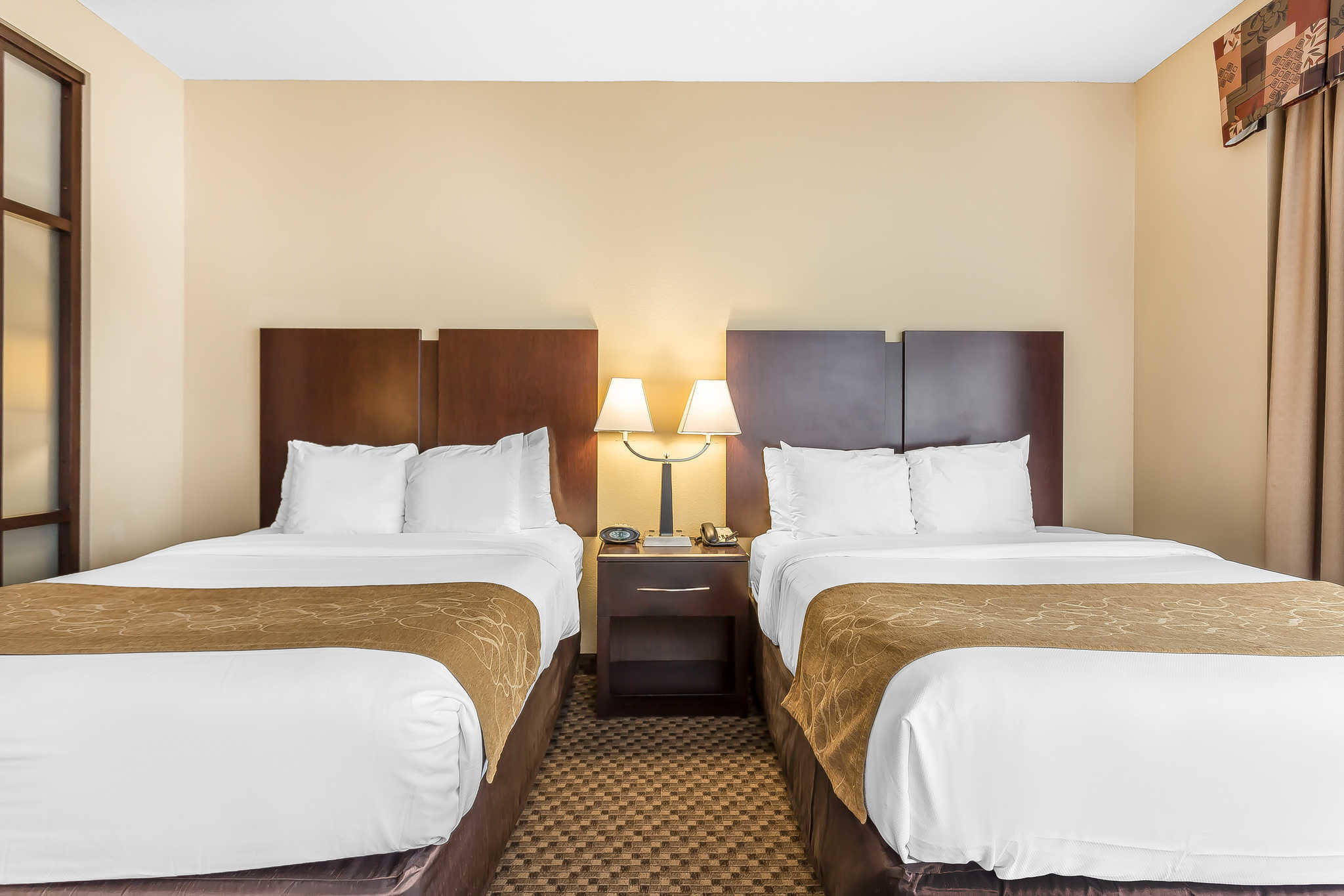 Comfort Suites West Of The Ashley At 2080 Savannah Highway