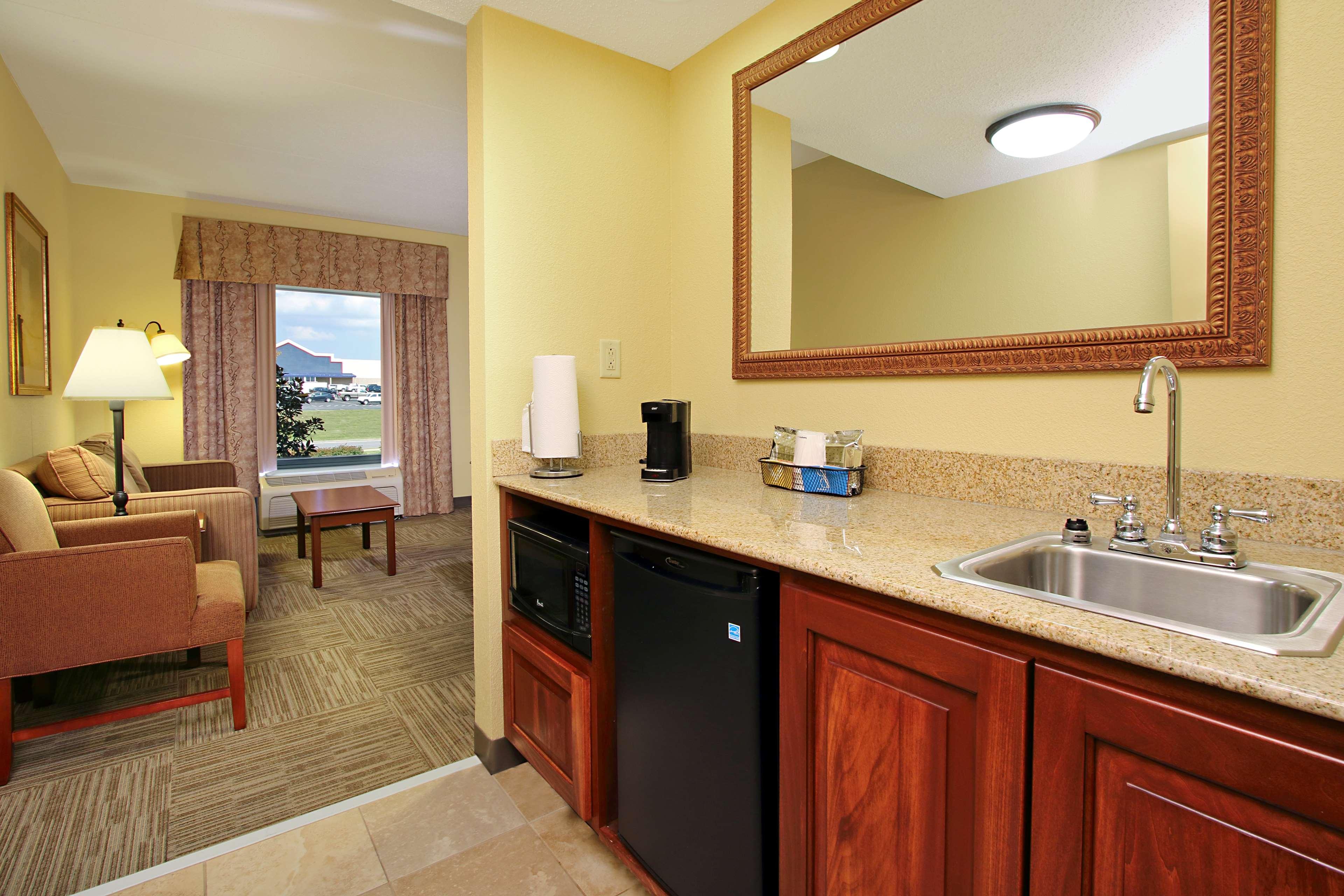 Hampton Inn & Suites Murray image 15