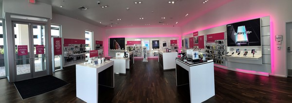 T Mobile Store At 1450 Ala Moana Blvd 3510 Honolulu Hi T Mobile