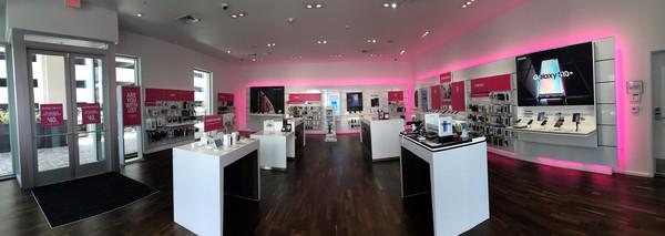 T Mobile Store At 1450 Ala Moana Blvd 3510 Honolulu Hi T Mobile