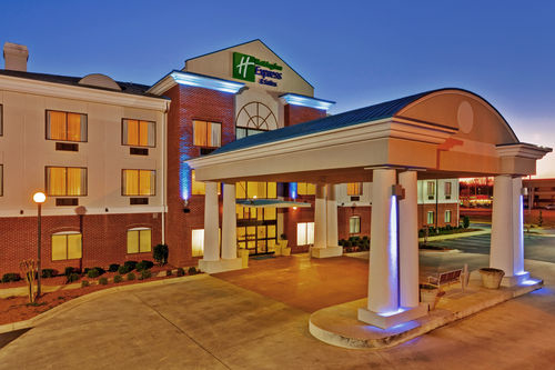 Holiday Inn Express & Suites Meridian image 2