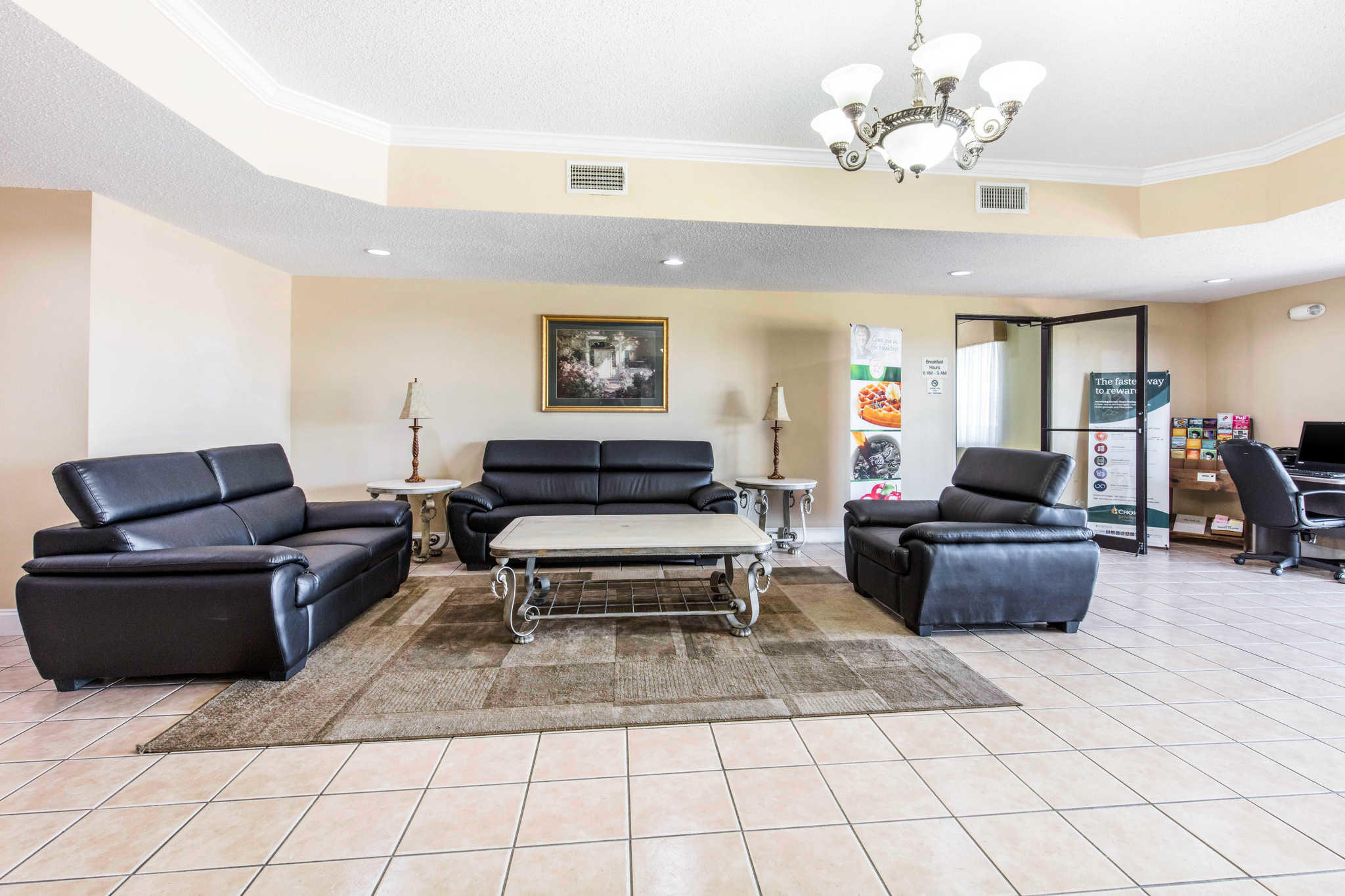 Quality Inn & Suites Jackson Int'l Airport image 5
