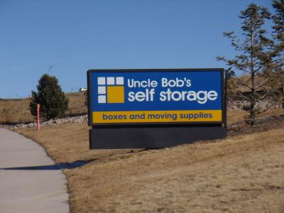Uncle Bob's Self Storage - ad image