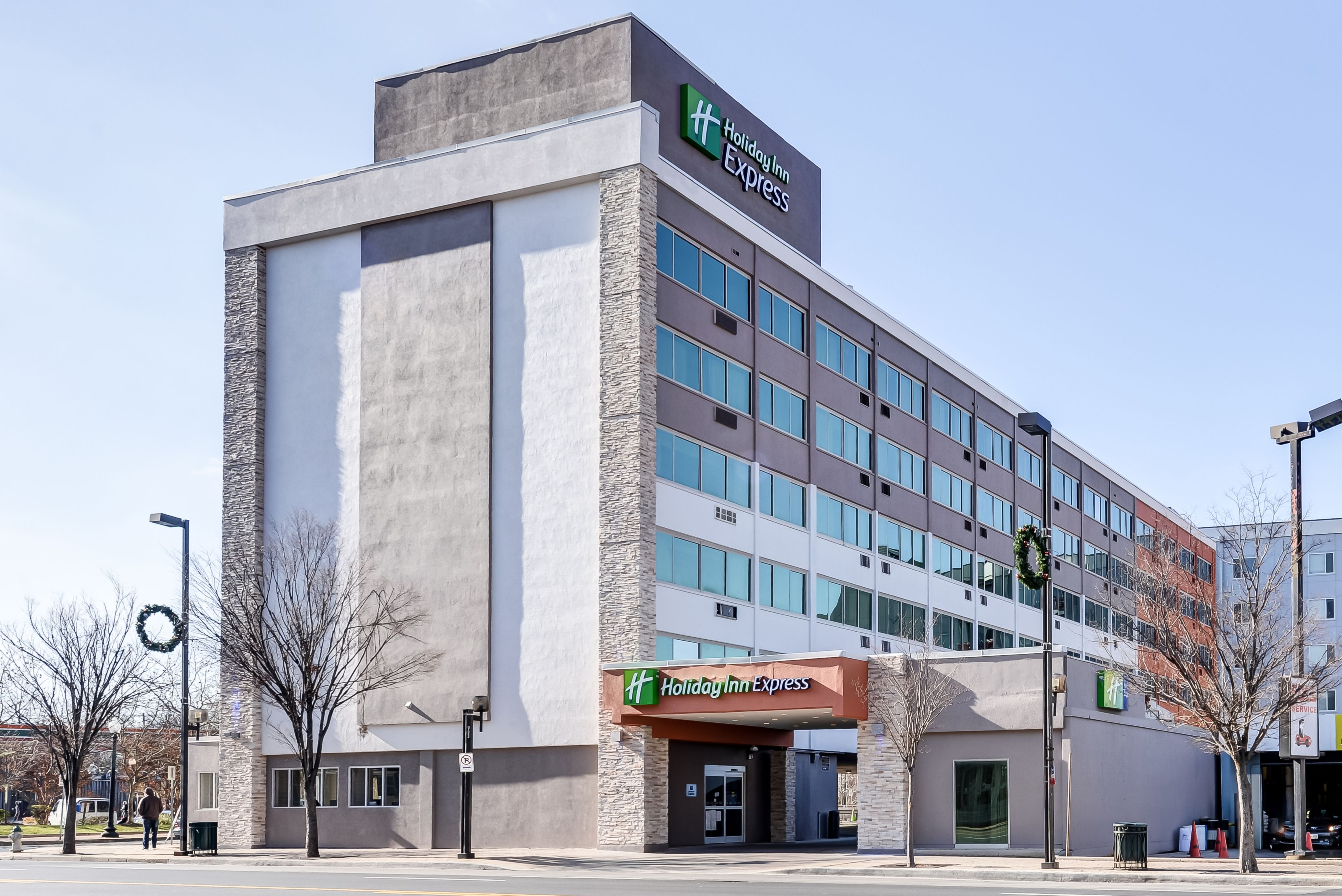 Holiday Inn Express & Suites Washington Dc Northeast image 3