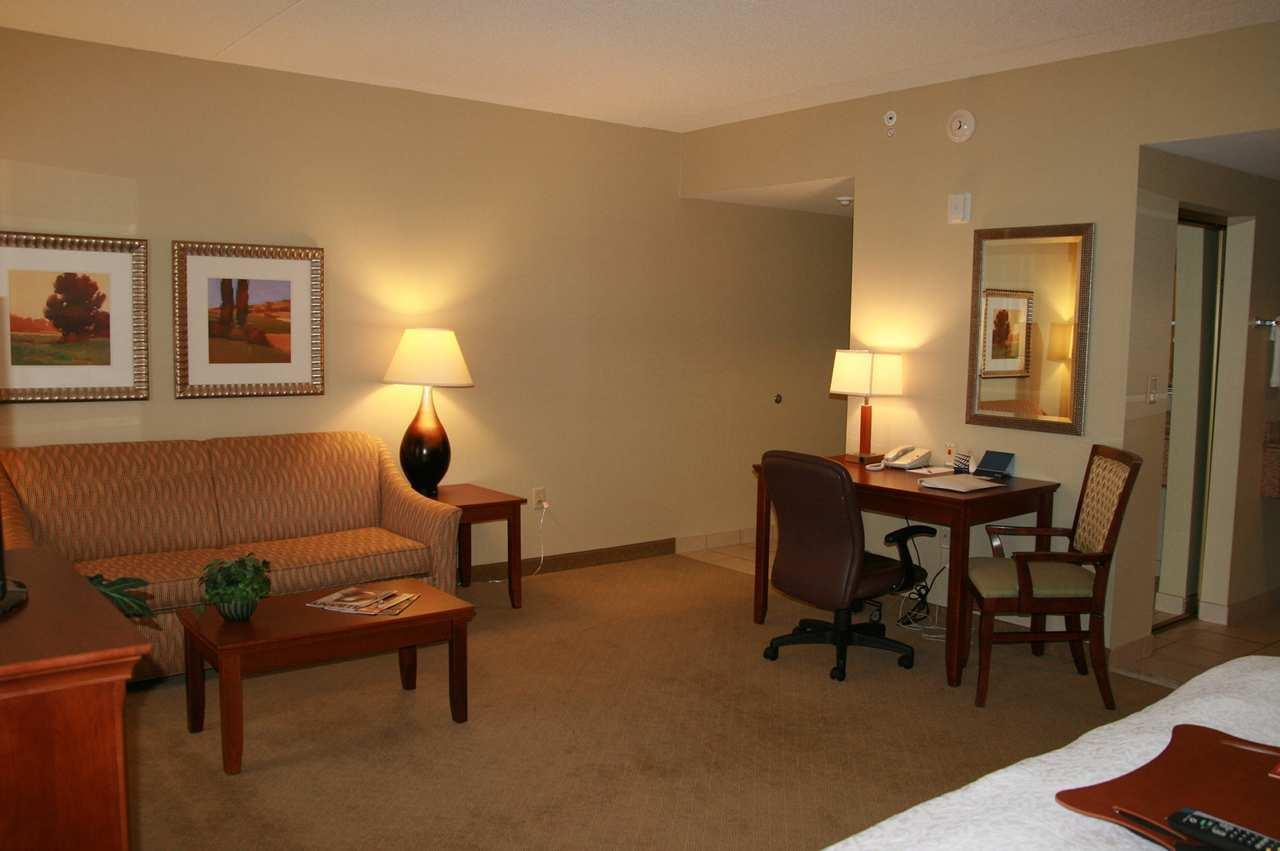 Hampton Inn & Suites Albany-Airport image 18