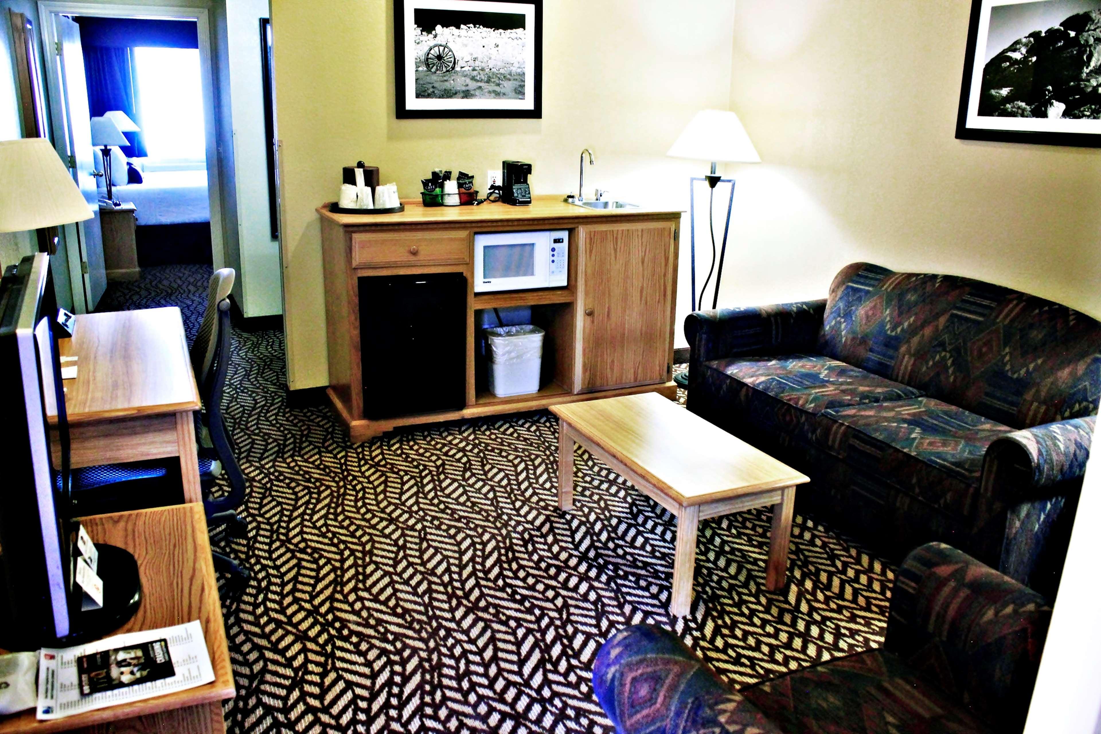 Best Western Turquoise Inn & Suites image 13