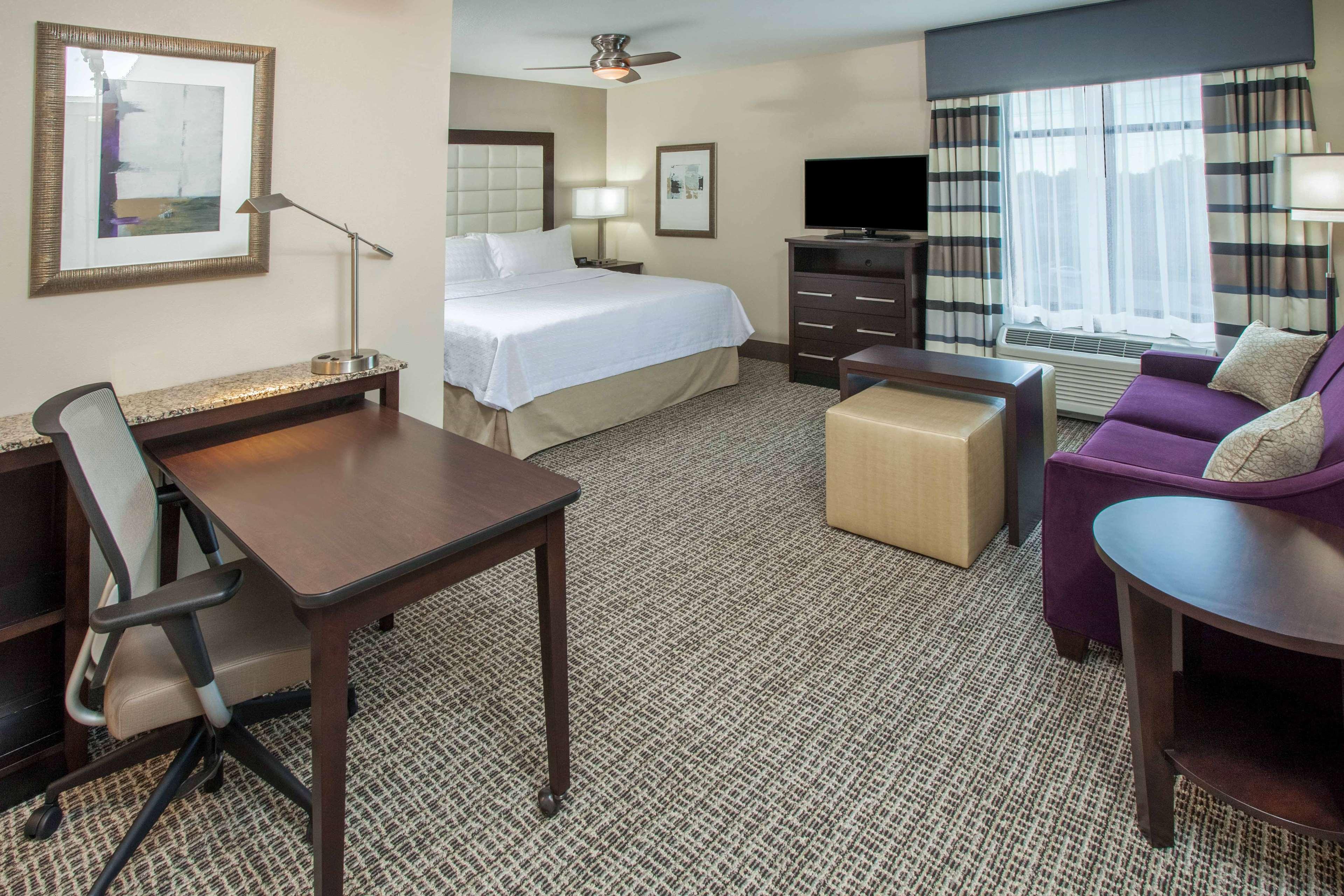 Homewood Suites by Hilton Munster image 5