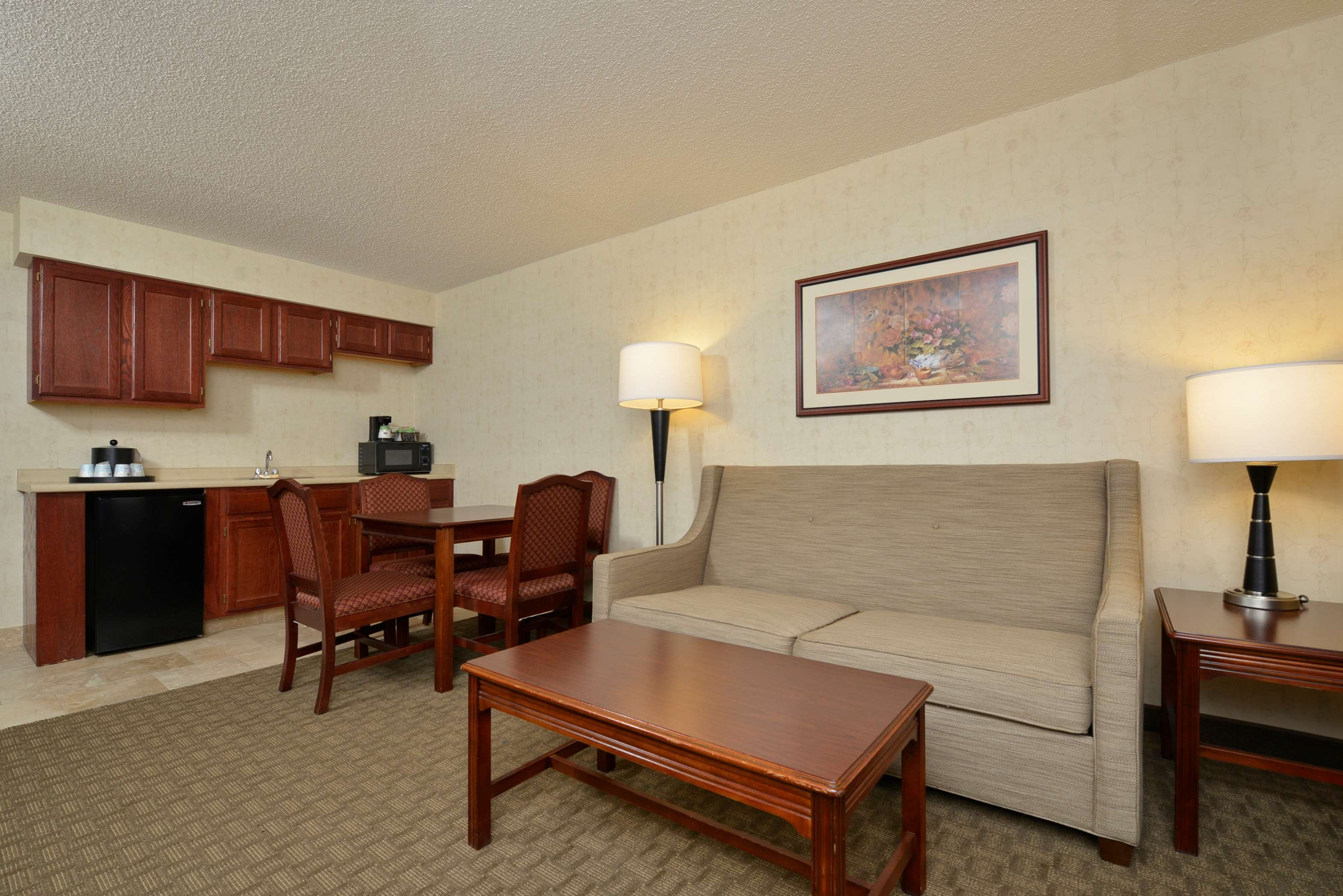 Hampton Inn East Aurora image 18