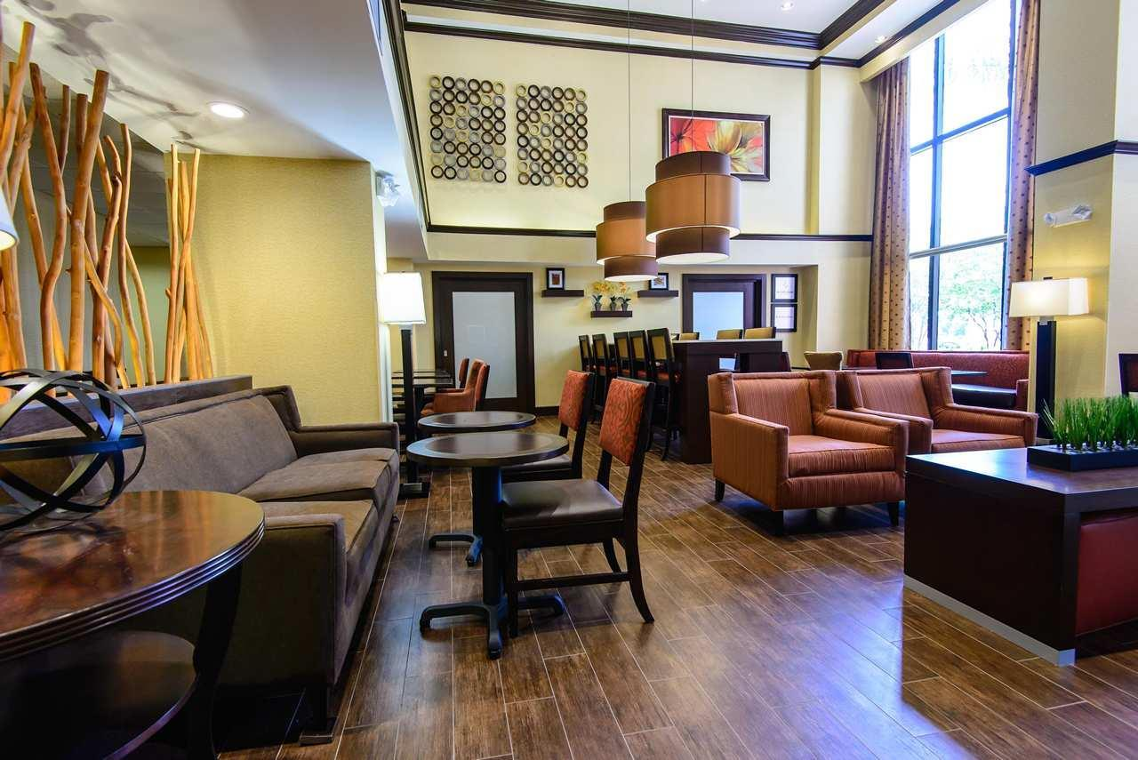 Hampton Inn Houston-Pearland image 3