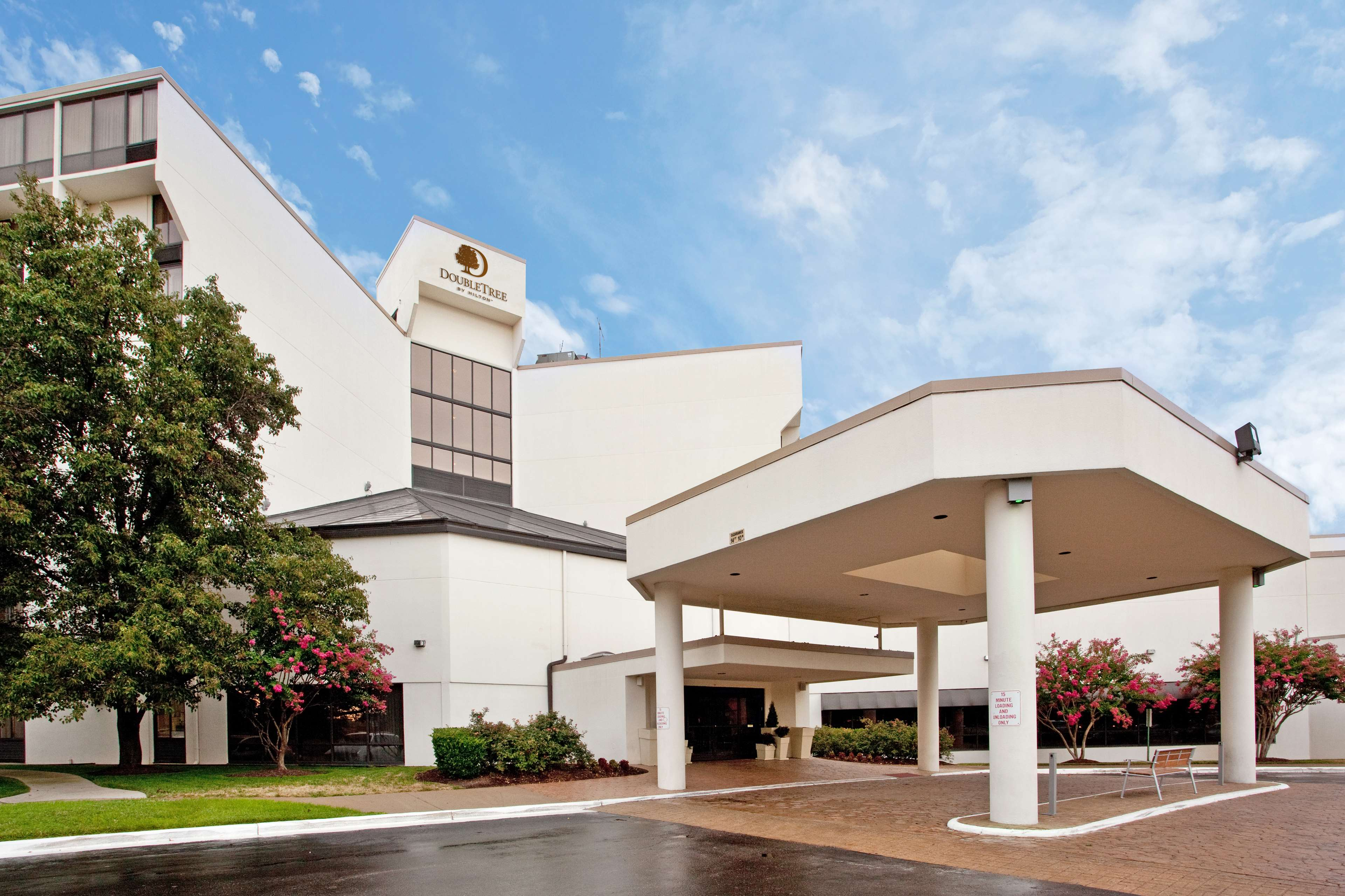 DoubleTree by Hilton Hotel Richmond - Midlothian image 0