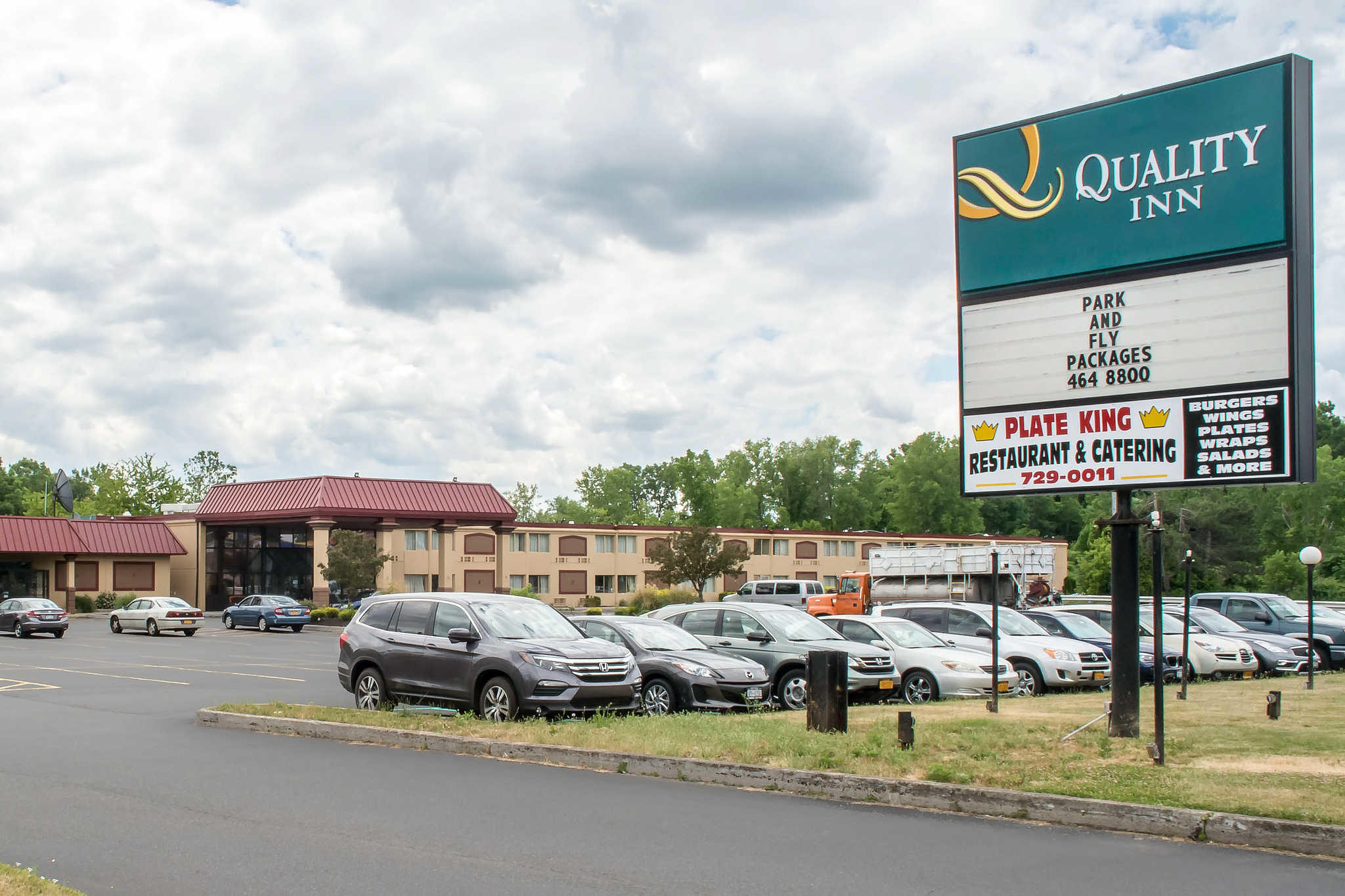 Quality Inn Rochester Airport image 2