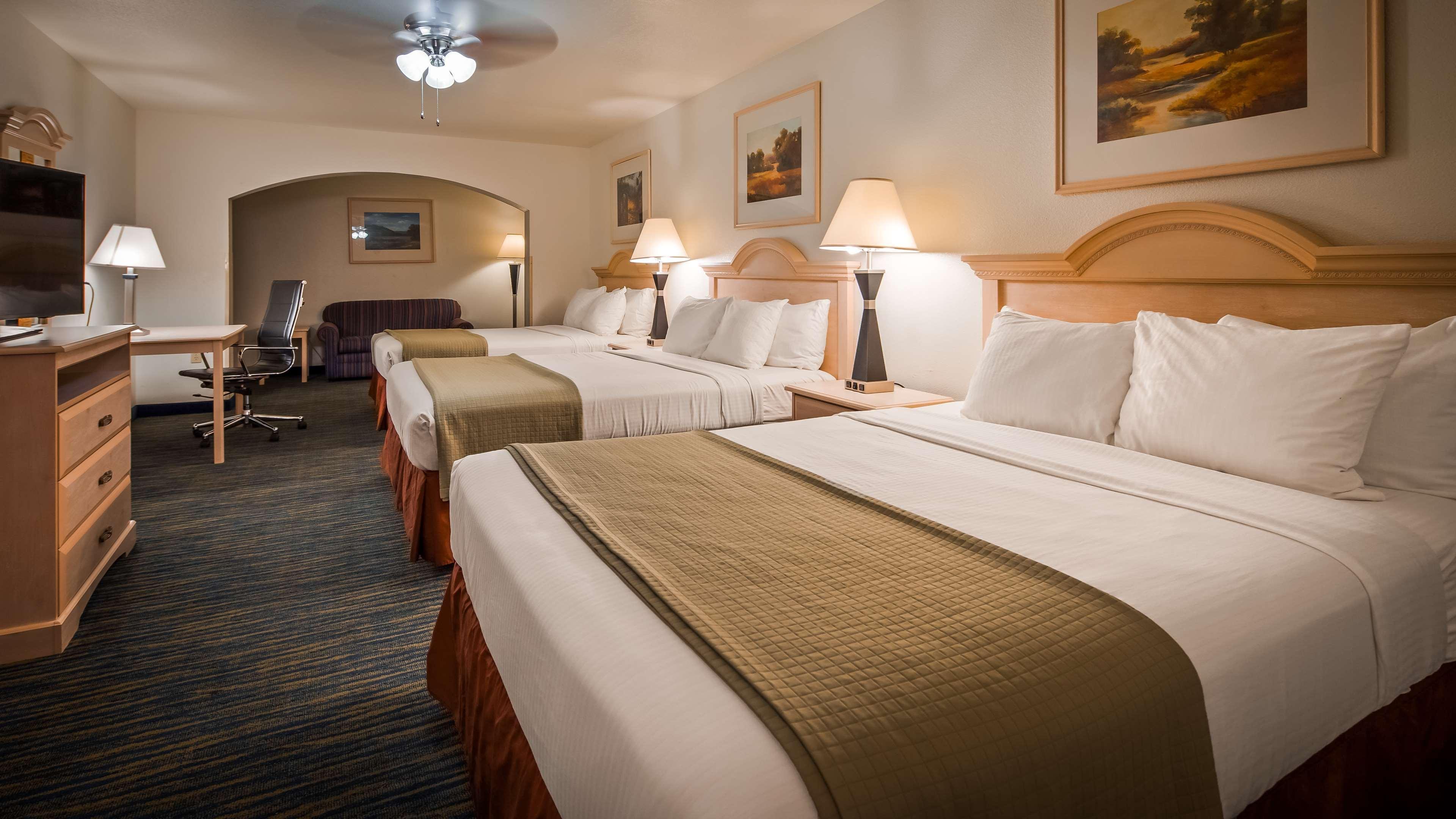 SureStay Hotel by Best Western Falfurrias image 35