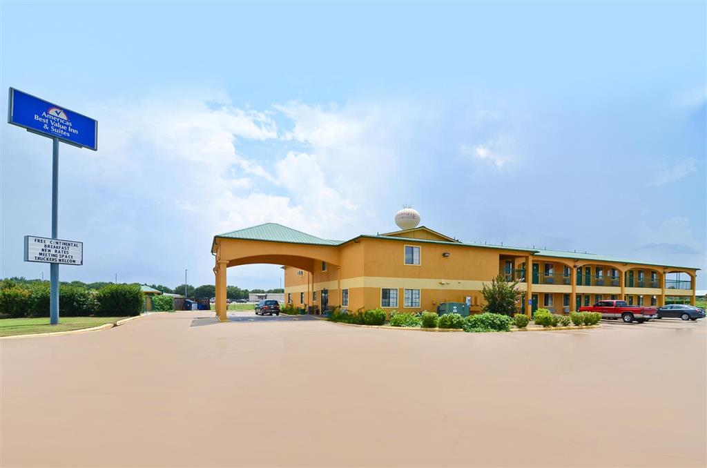 Americas Best Value Inn & Suites Smithville image 0