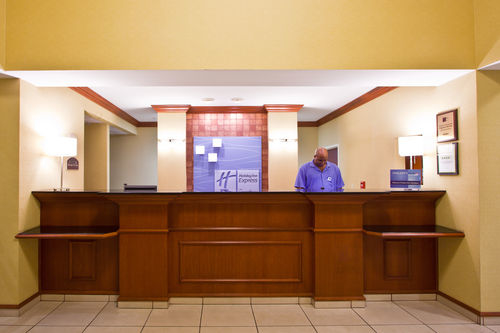 Holiday Inn Express & Suites Tampa-Fairgrounds-Casino image 4