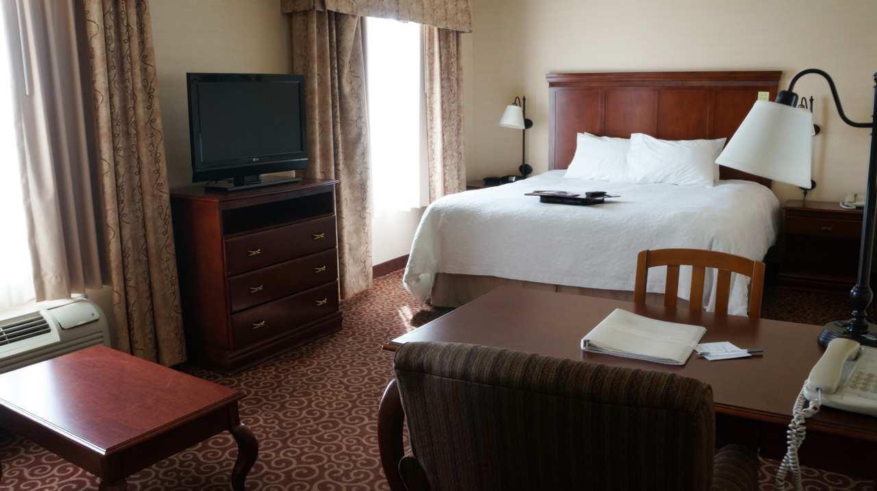 Hampton Inn & Suites Kingman image 23