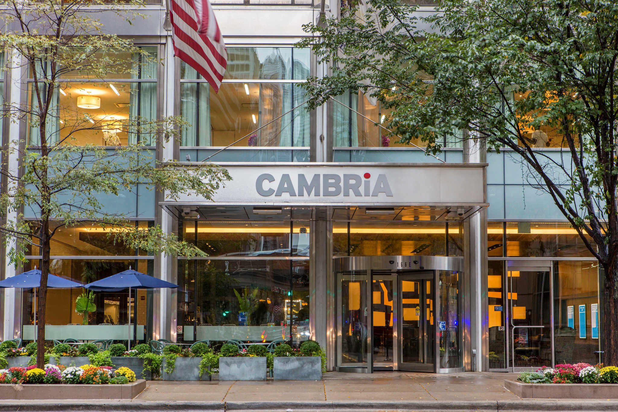 Cambria hotel suites chicago magnificent mile for Hotel chicago hotel