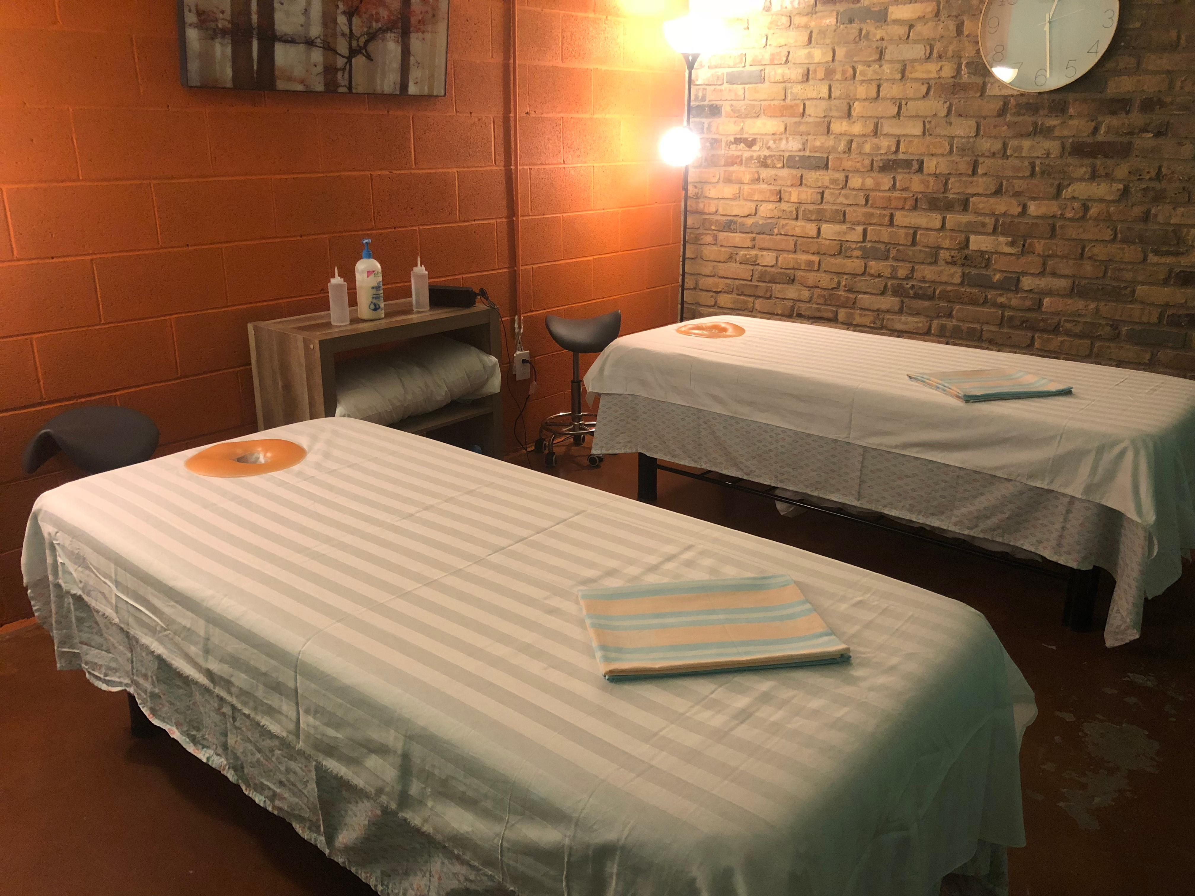 Couple Massage with two Licensed Massage Therapist
