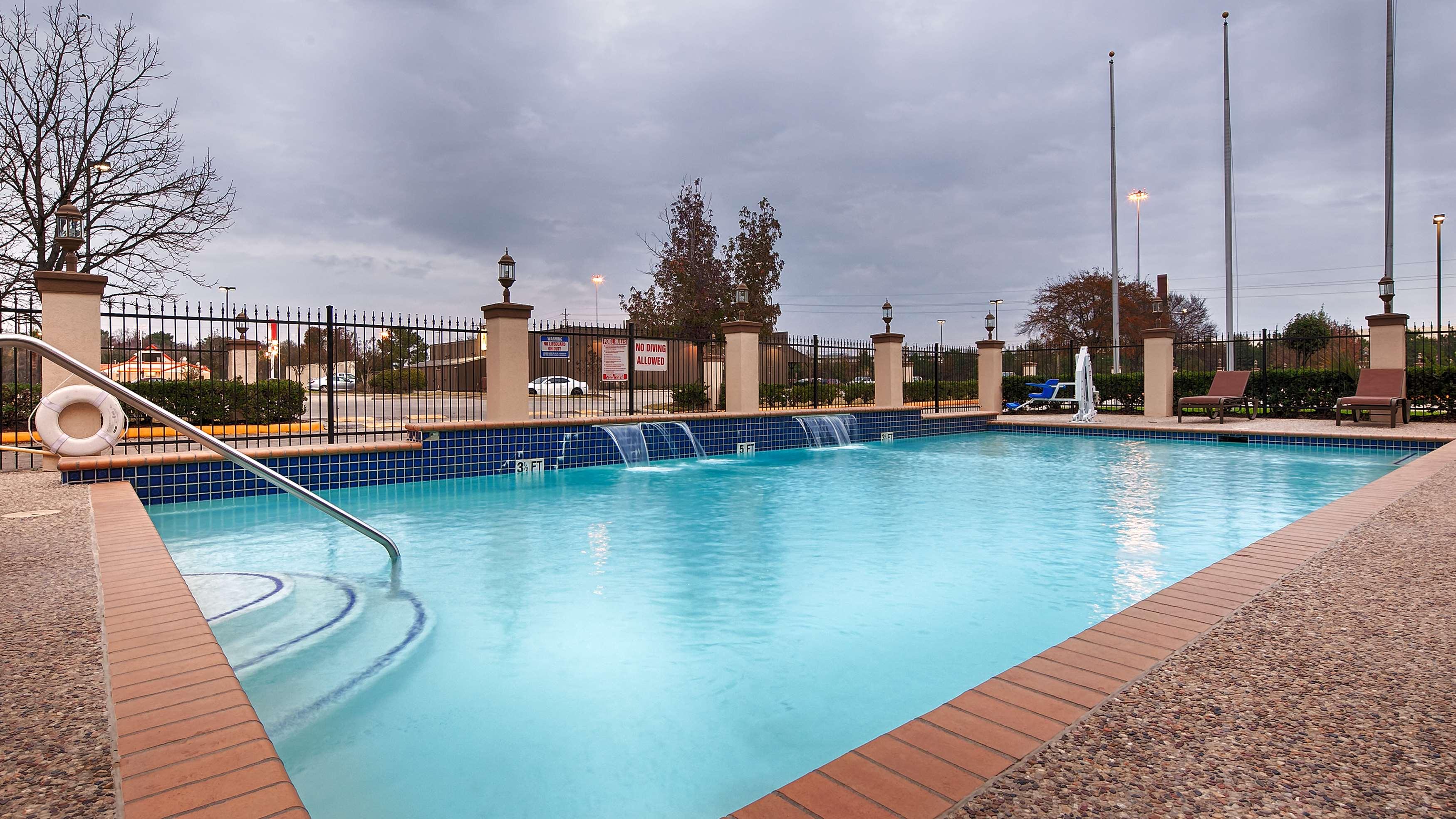 Best Western Plus North Houston Inn & Suites image 38